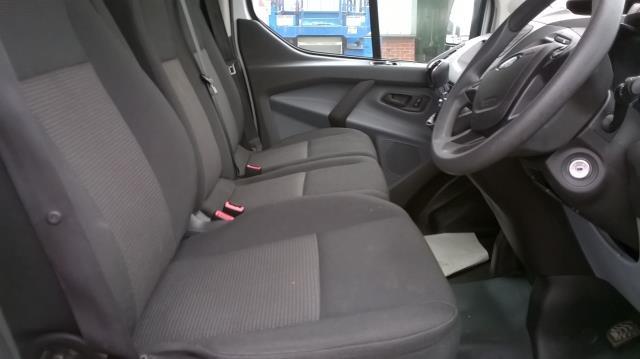 2015 Ford Transit Custom 290 L1 DIESEL FWD 2.2  TDCI 100PS LOW ROOF VAN EURO 5 (FL15XOM) Image 17