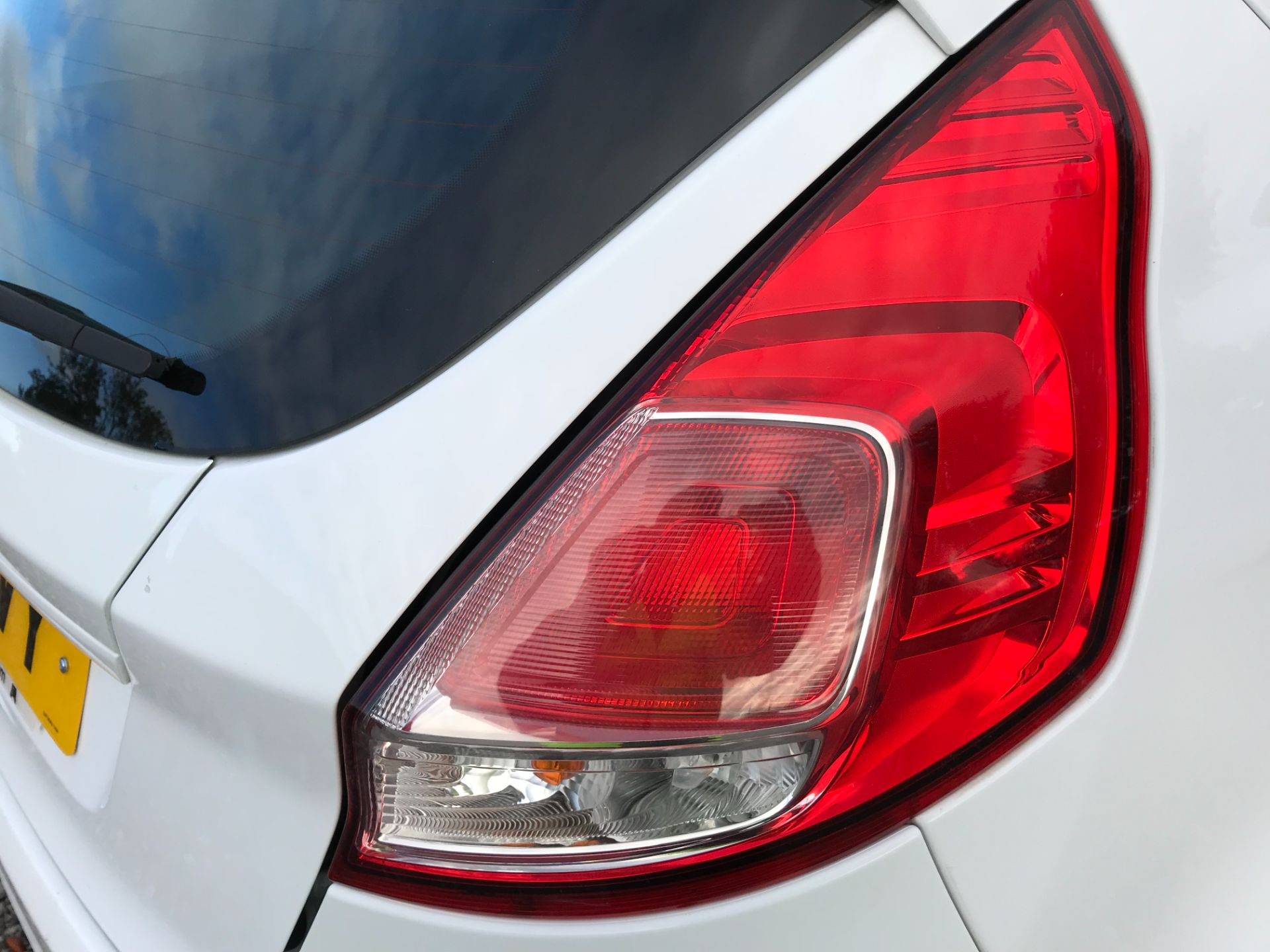 2015 Ford Fiesta 1.5 Tdci Van (FL15XVY) Image 30