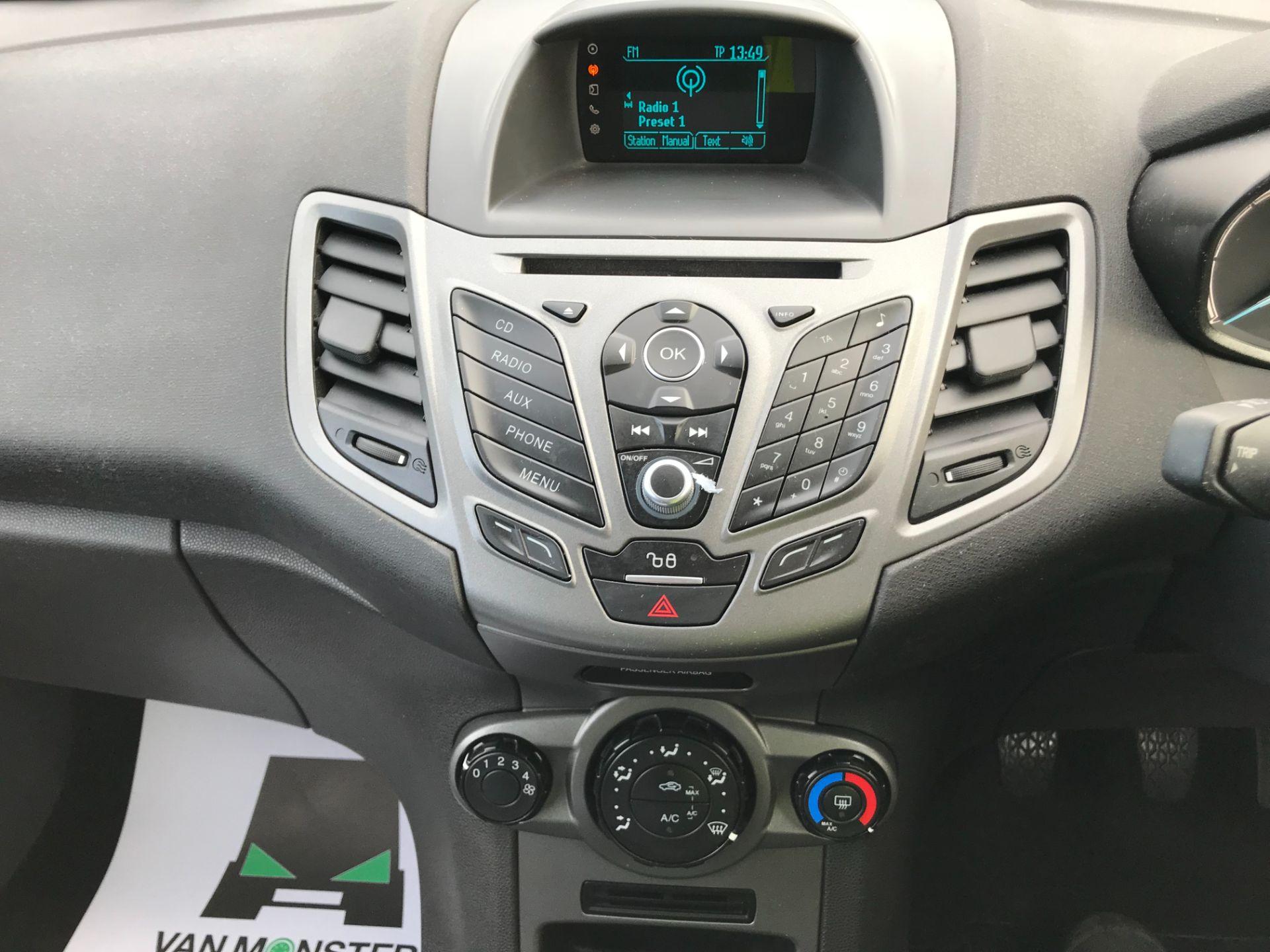 2015 Ford Fiesta 1.5 Tdci Van (FL15XVY) Image 18