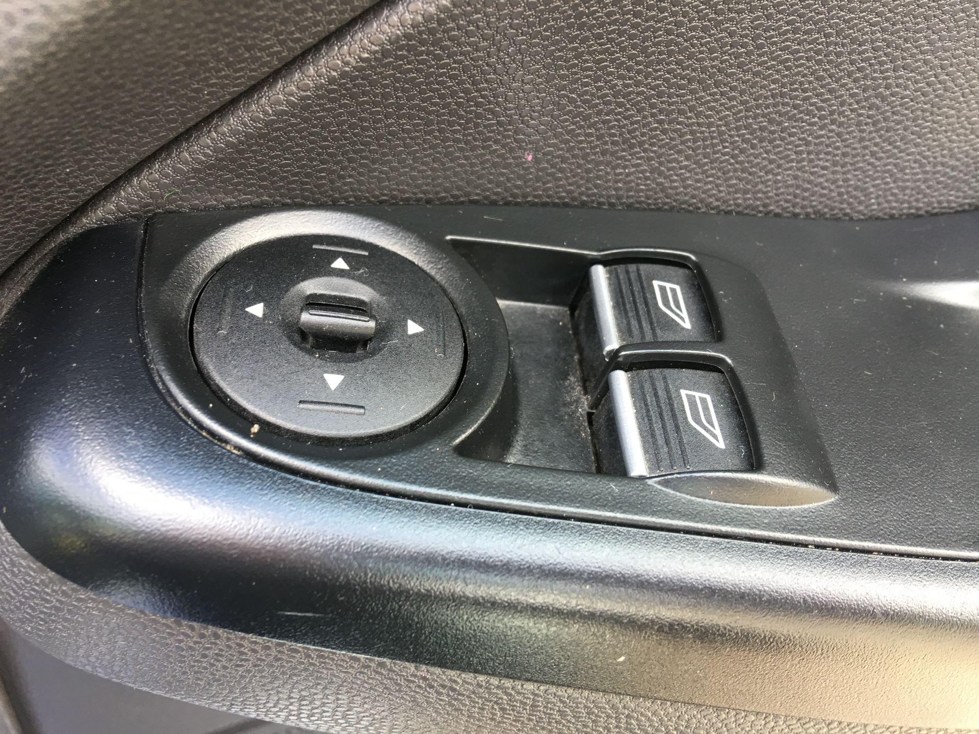 2015 Ford Fiesta DIESEL 1.5 TDCI VAN EURO 5 (FL15XWM) Image 8