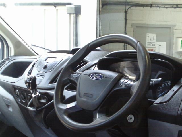 2016 Ford Transit  350 L2 SINGLE CAB TIPPER 125PS EURO 5 (FL16KOE) Image 23