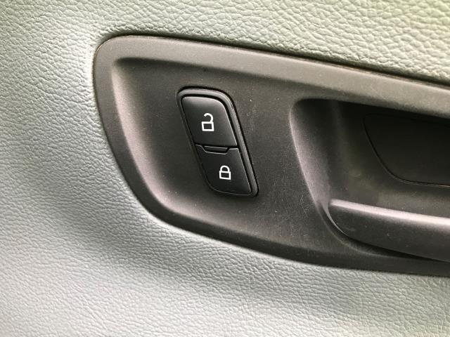 2016 Ford Transit  T350 SINGLE CAB TIPPER 125PS EURO 5 (FL16KTV) Image 19