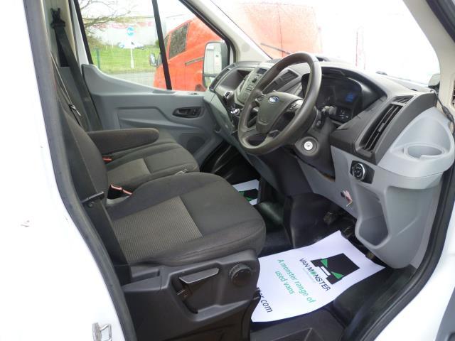2016 Ford Transit 350 L2 SINGLE CAB TIPPER 125PS EURO 5 (FL16KUB) Image 18