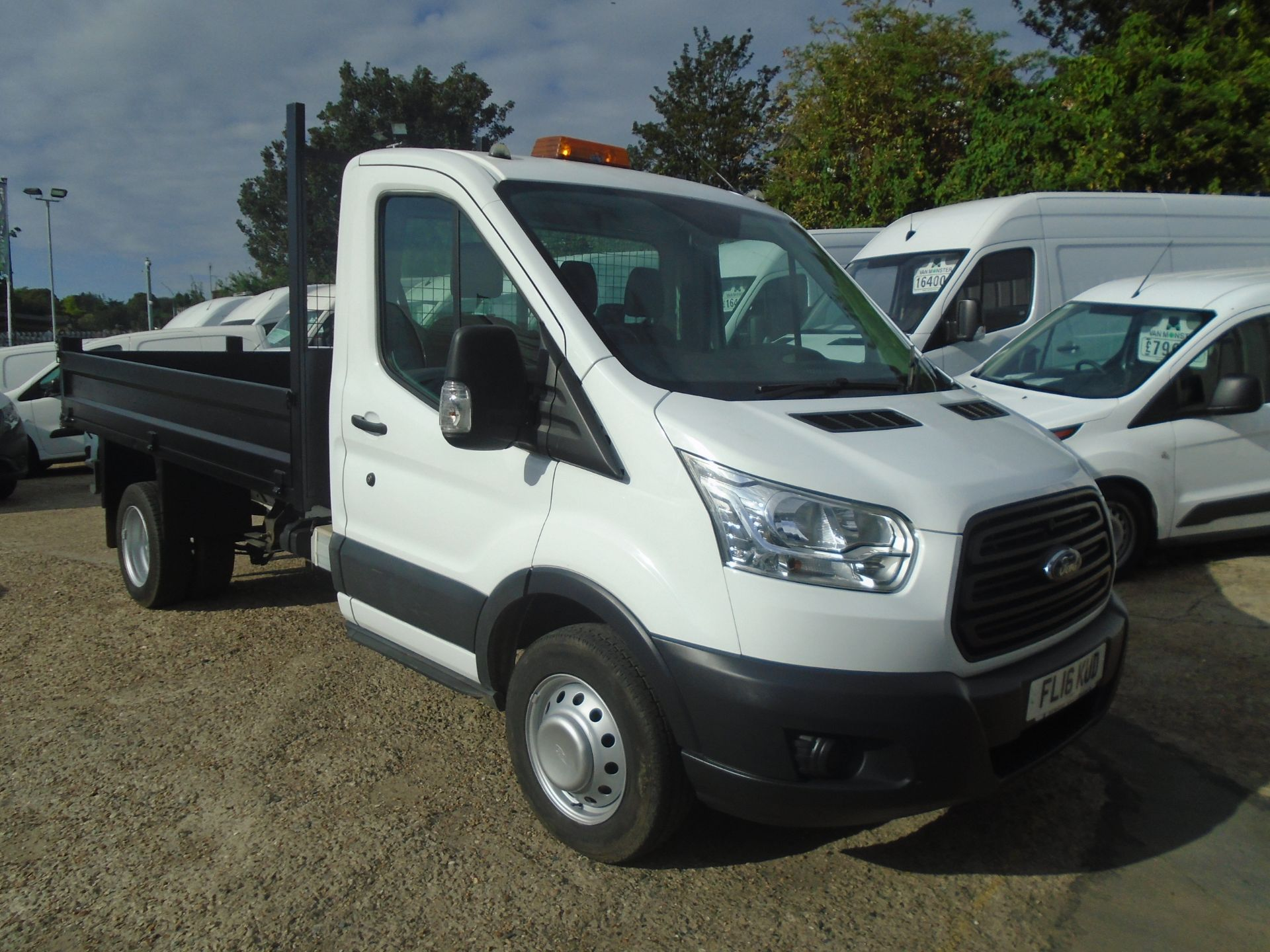 2016 Ford Transit 350 L2 SINGLE CAB TIPPER 125PS EURO 5 (FL16KUD)