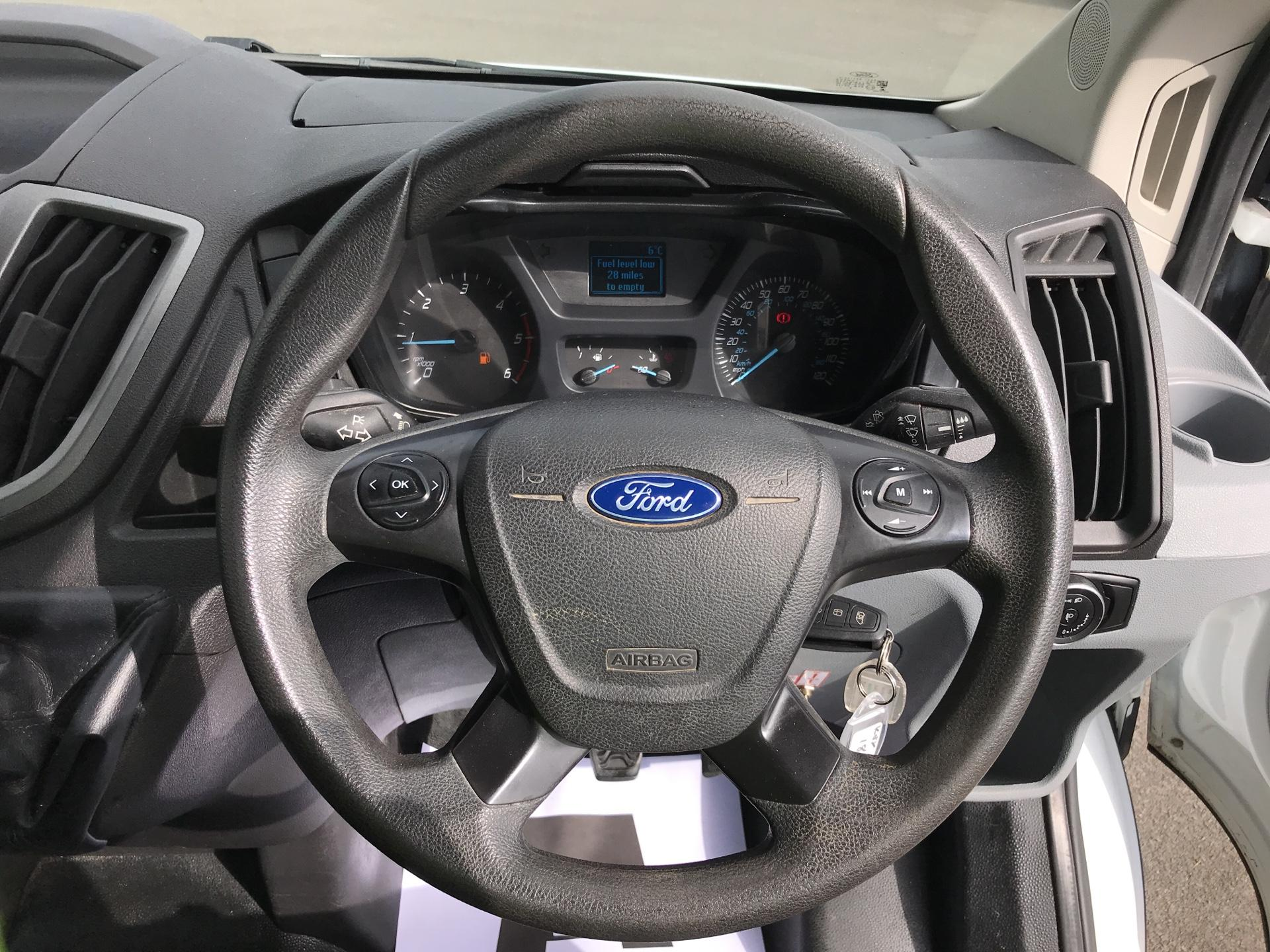 2016 Ford Transit  350 L2 SINGLE CAB TIPPER 125PS EURO 5 (FL16KUN) Image 12