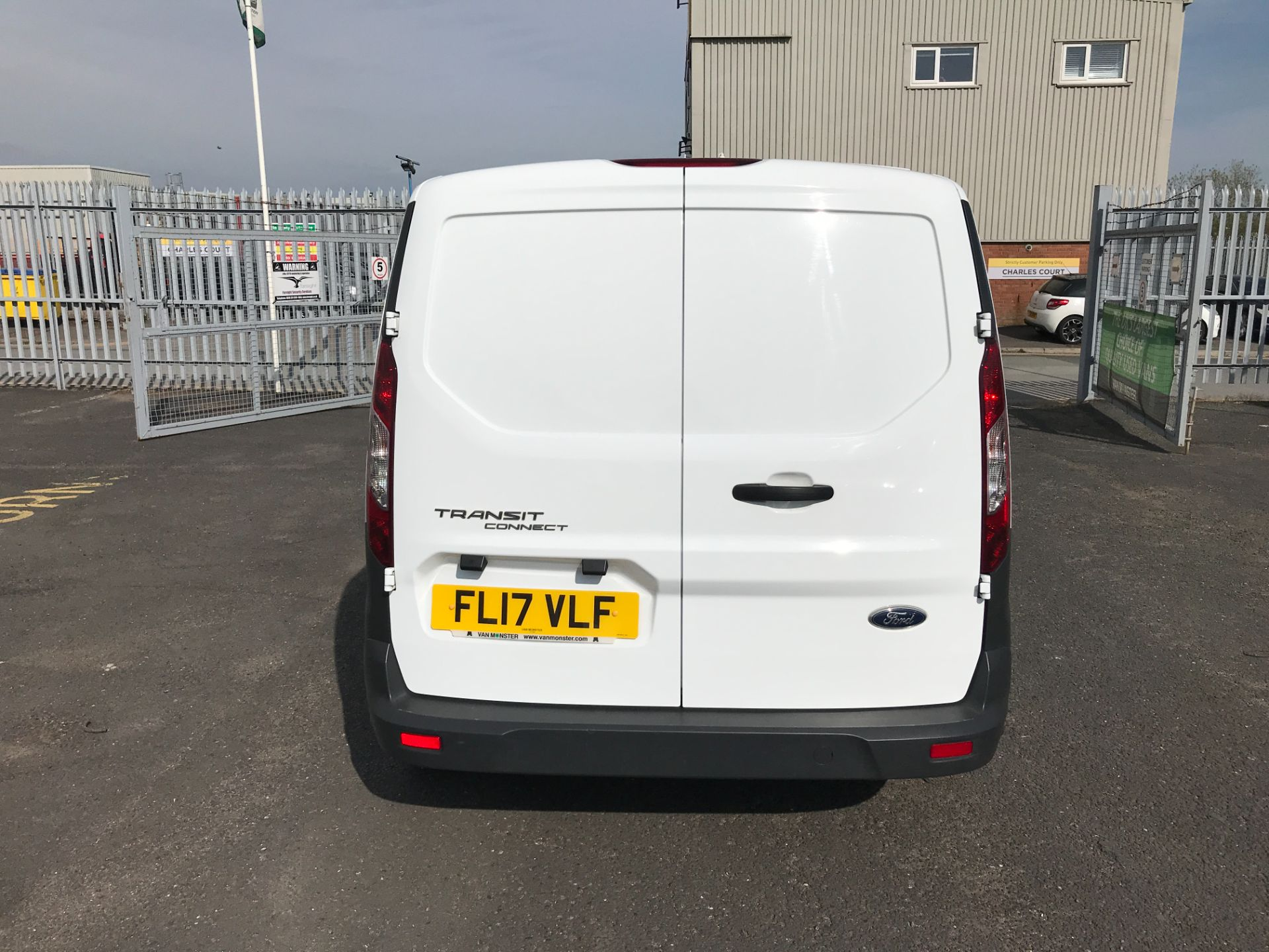 2017 Ford Transit Connect T200 L1 H1 1.5TDCI 75PS EURO 6  (FL17VLF) Image 6