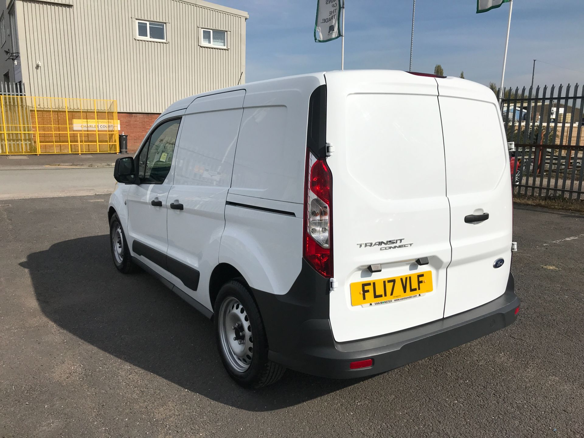 2017 Ford Transit Connect T200 L1 H1 1.5TDCI 75PS EURO 6  (FL17VLF) Image 5