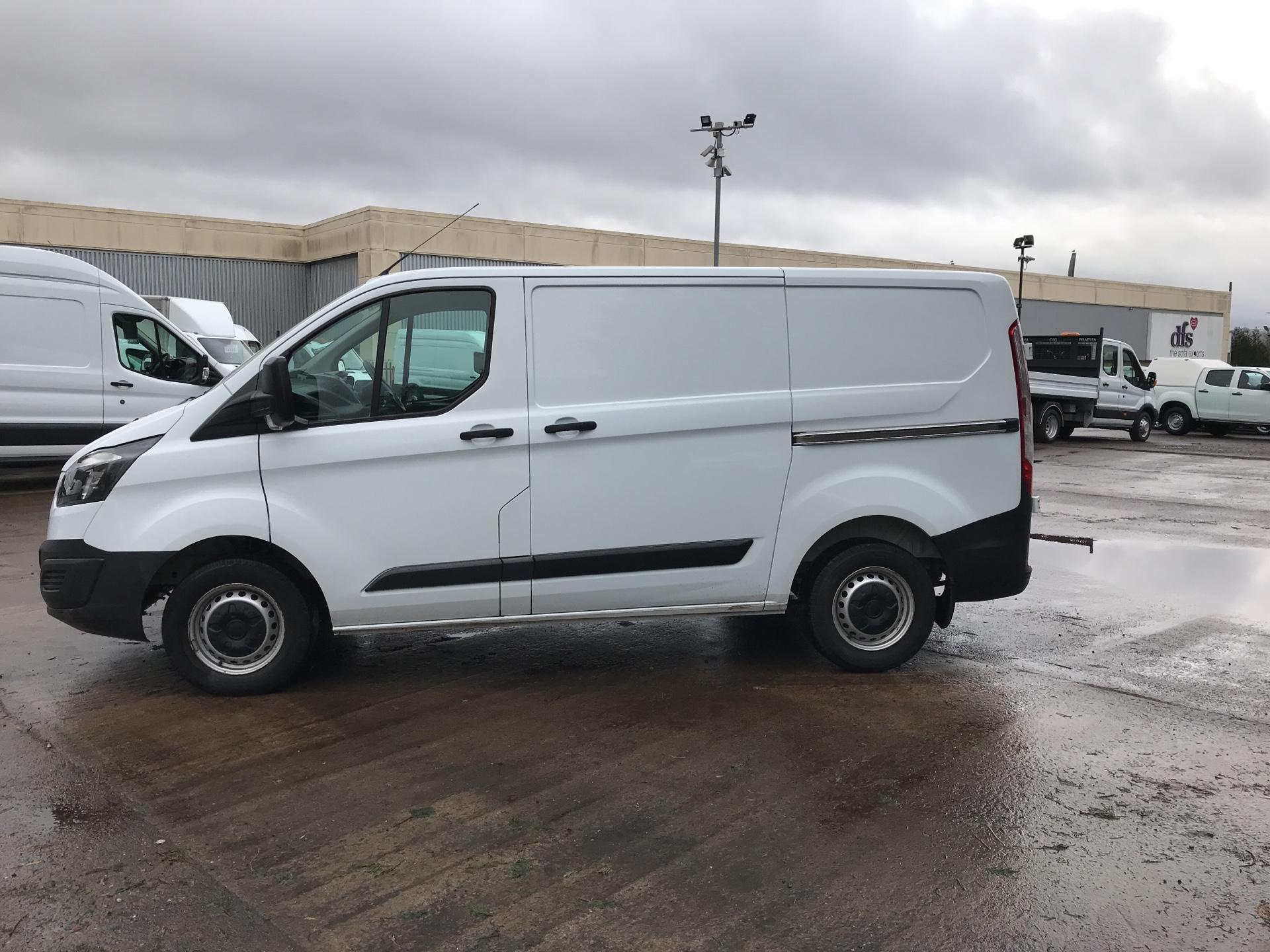 2017 Ford Transit Custom 290 L1 DIESEL FWD 2.0 TDCI 105PS LOW ROOF VAN EURO 6 (FL17VMF) Image 6