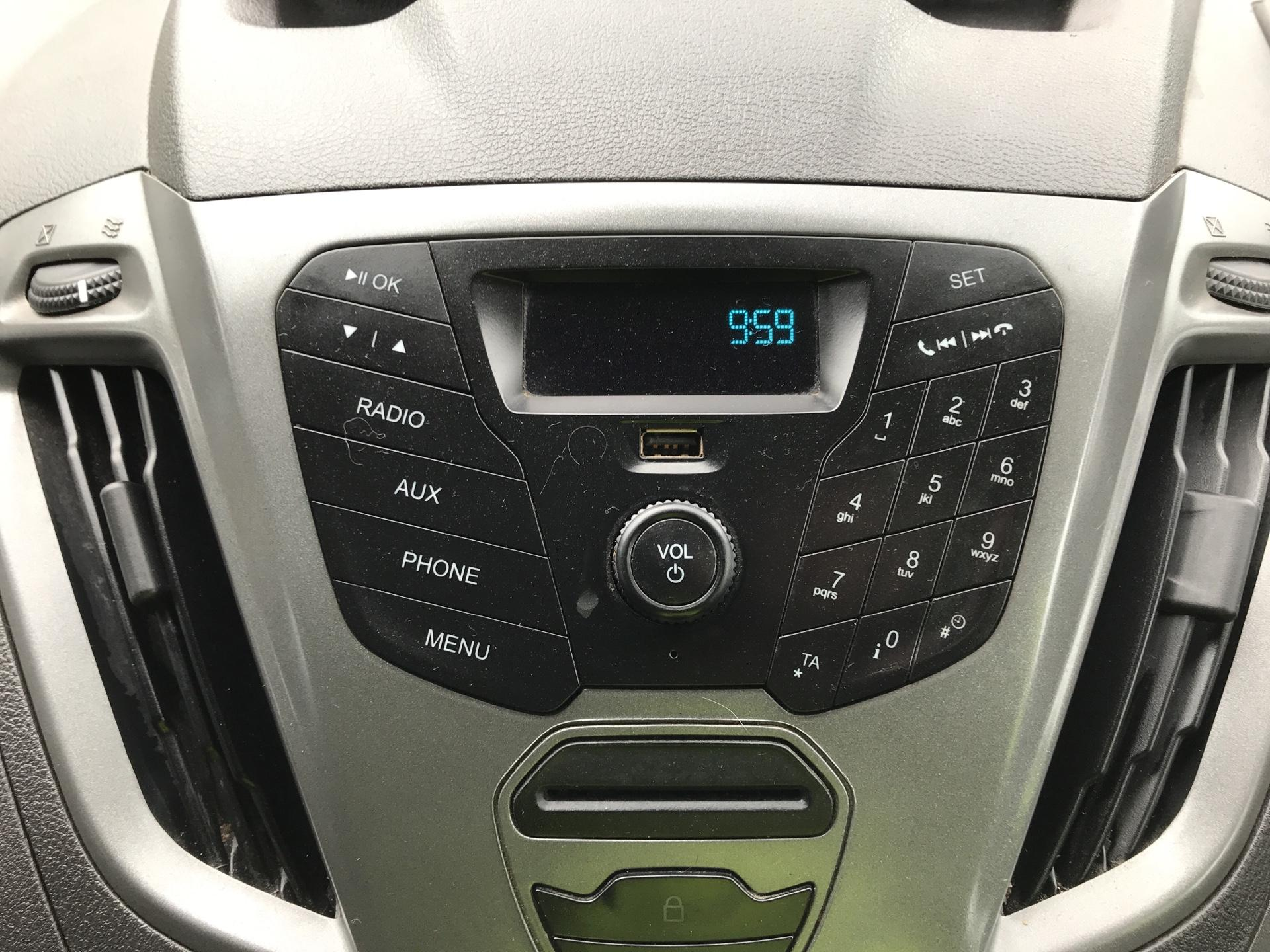 2017 Ford Transit Custom 290 L1 DIESEL FWD 2.0 TDCI 105PS LOW ROOF VAN EURO 6 (FL17VMF) Image 10