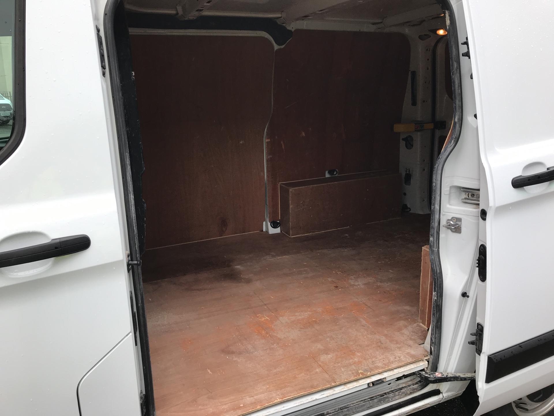 2017 Ford Transit Custom 290 L1 DIESEL FWD 2.0 TDCI 105PS LOW ROOF VAN EURO 6 (FL17VMF) Image 19