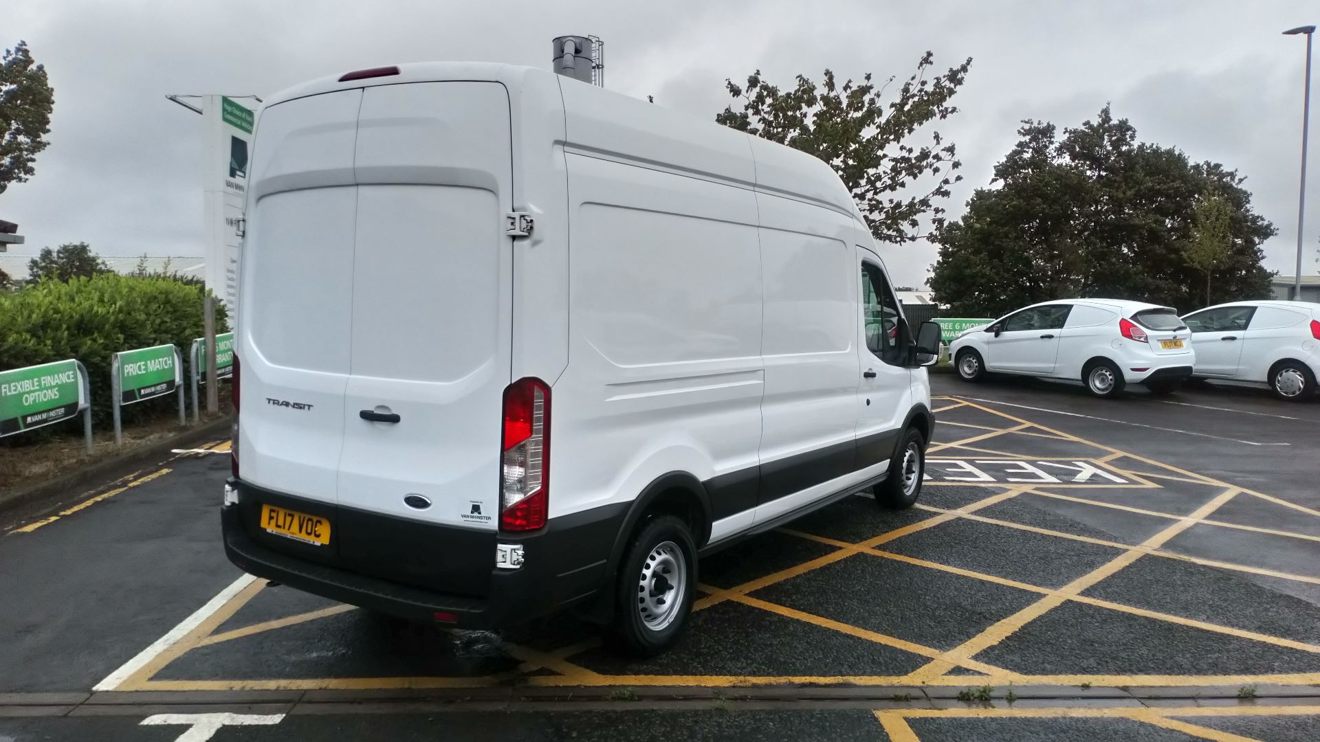2017 Ford Transit 2.0 Tdci 130Ps H3 Van (FL17VOC) Image 4