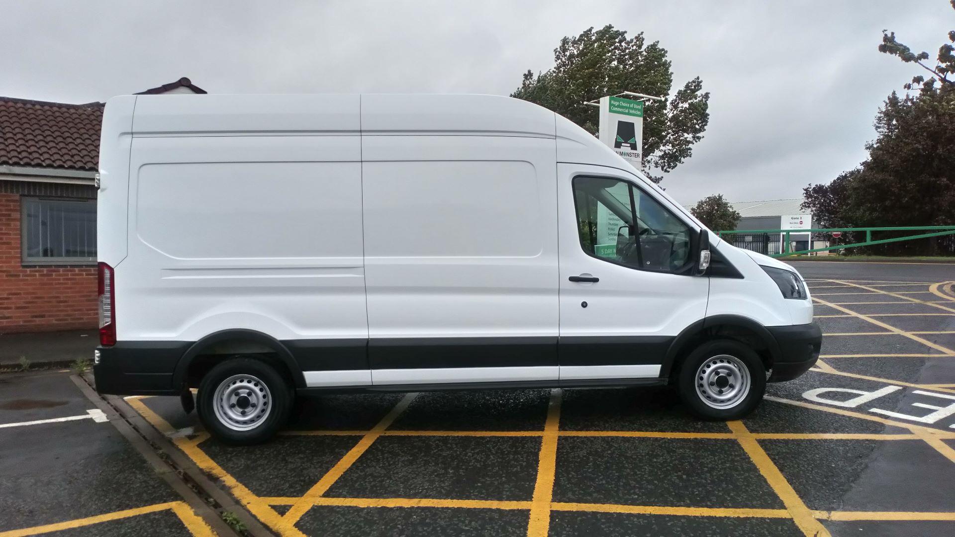 2017 Ford Transit 2.0 Tdci 130Ps H3 Van (FL17VOC) Image 9