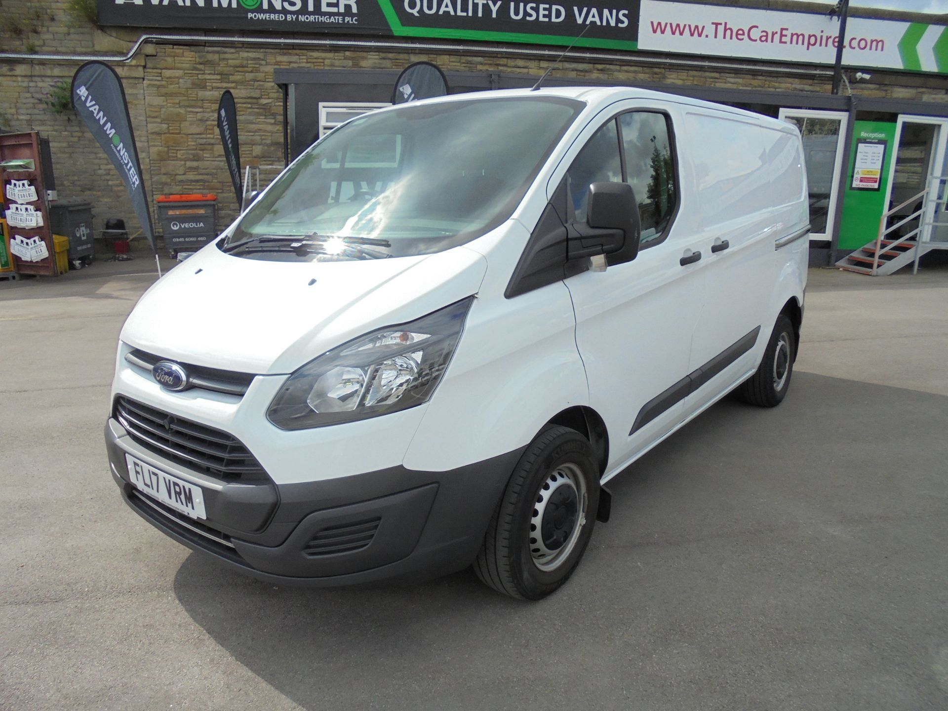 2017 Ford Transit Custom 2.0 Tdci 105Ps Low Roof Van VALUE RANGE VEHICLE CONDITION REFLECTED IN PRICE* (FL17VRM) Image 3