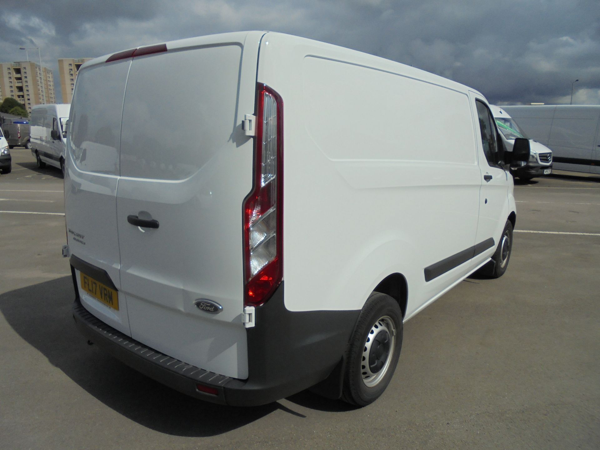2017 Ford Transit Custom 2.0 Tdci 105Ps Low Roof Van VALUE RANGE VEHICLE CONDITION REFLECTED IN PRICE* (FL17VRM) Image 7