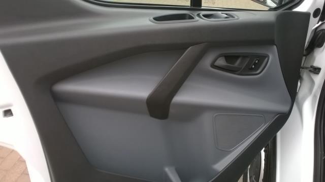 2017 Ford Transit Custom 2.0 TDCI 105PS L1 LOW ROOF EURO 6 (FL17VUP) Image 9