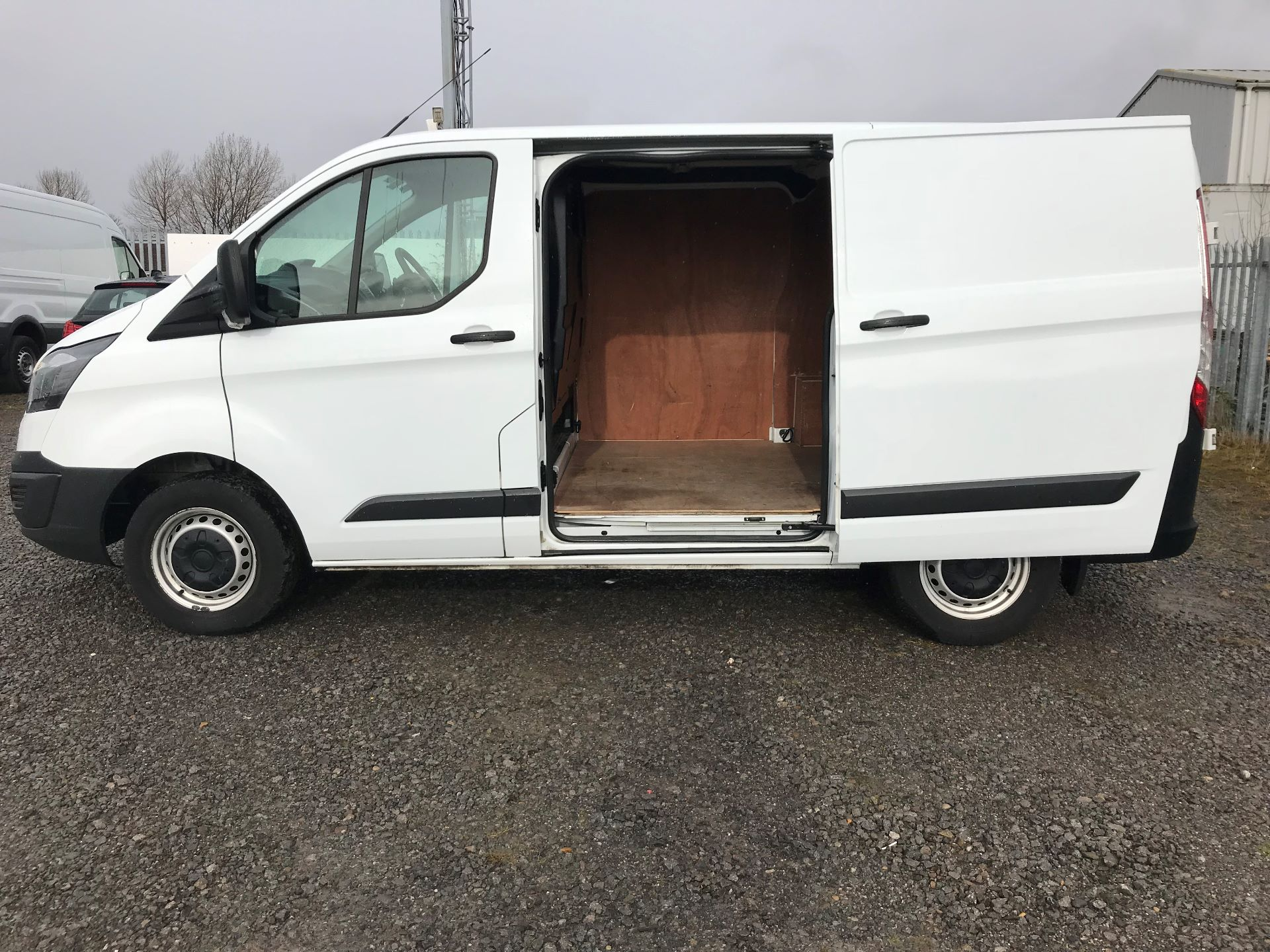 2017 Ford Transit Custom 2.0 Tdci 105Ps Low Roof Van (FL17VVS) Thumbnail 16