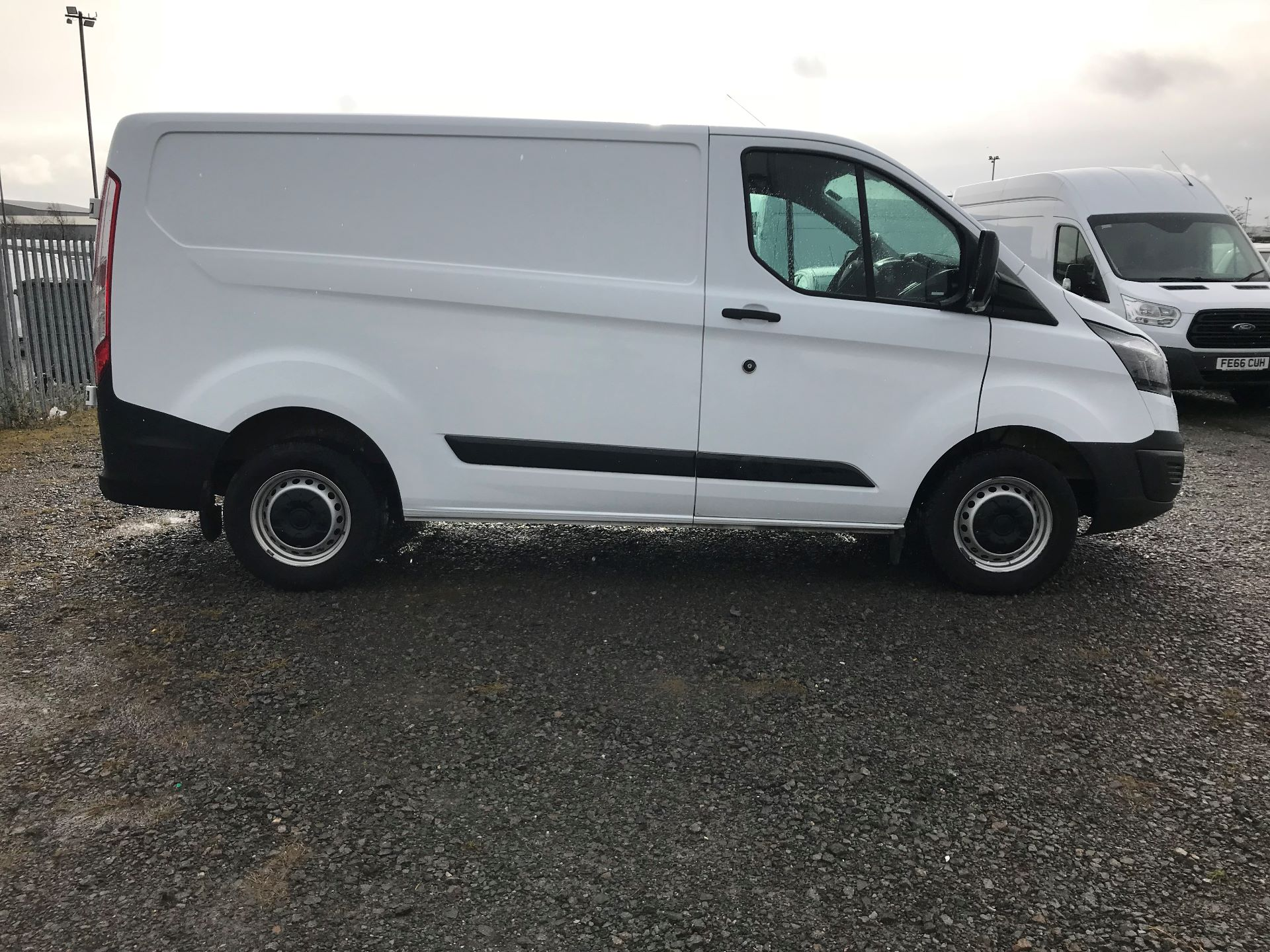 2017 Ford Transit Custom 2.0 Tdci 105Ps Low Roof Van (FL17VVS) Image 8