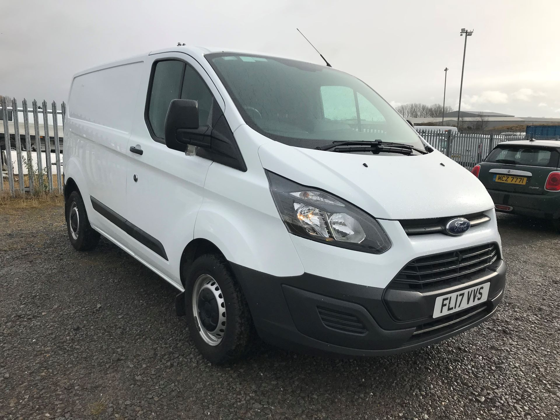2017 Ford Transit Custom 2.0 Tdci 105Ps Low Roof Van (FL17VVS) Thumbnail 1