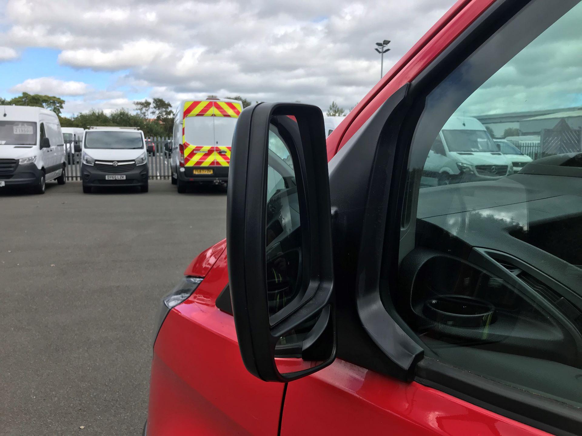 2017 Ford Transit Custom  290 L1 DIESEL FWD 2.0 TDCI 105PS LOW ROOF VAN EURO 6 (FL17VXD) Image 14