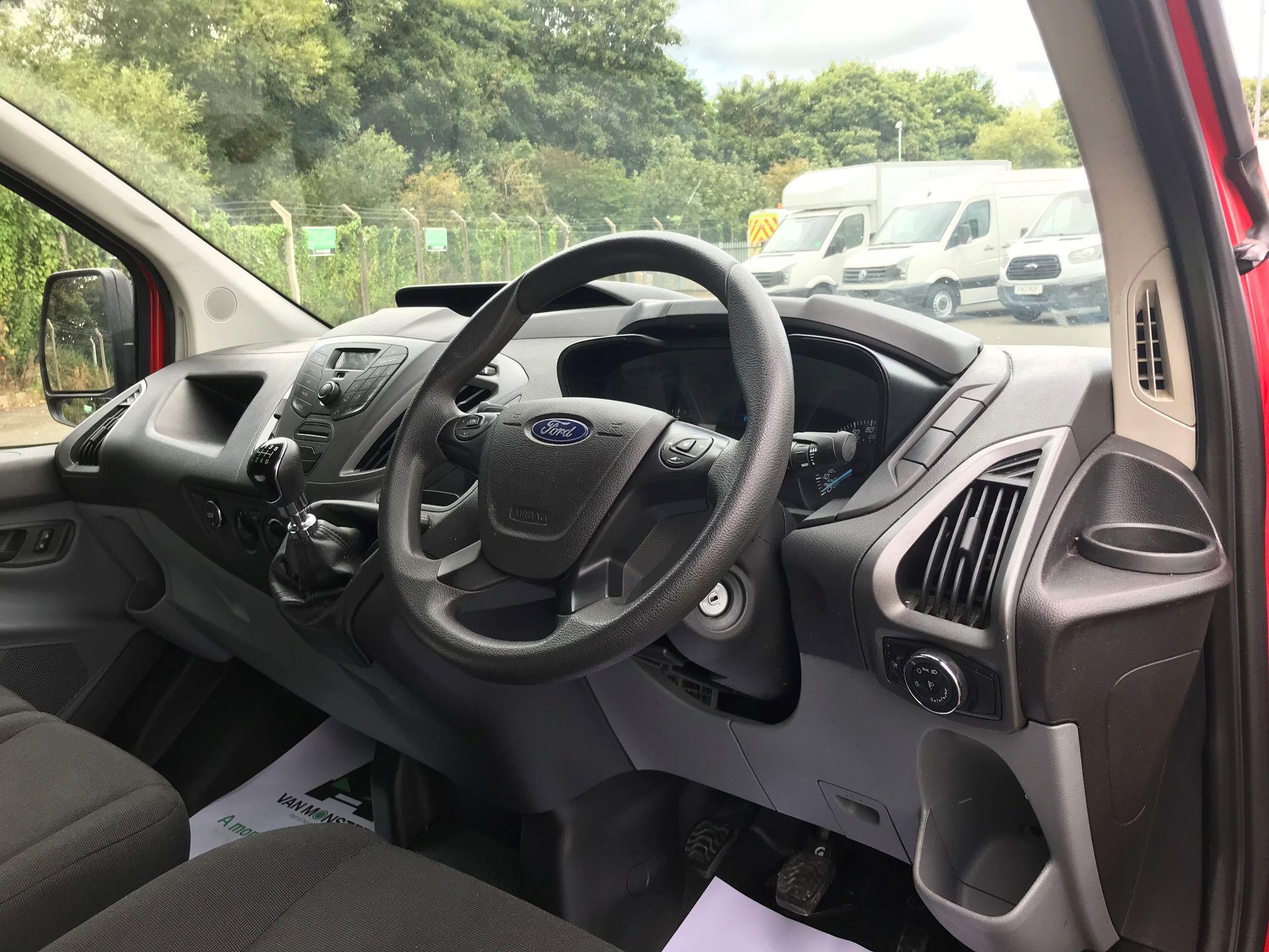 2017 Ford Transit Custom  290 L1 DIESEL FWD 2.0 TDCI 105PS LOW ROOF VAN EURO 6 (FL17VXD) Image 17