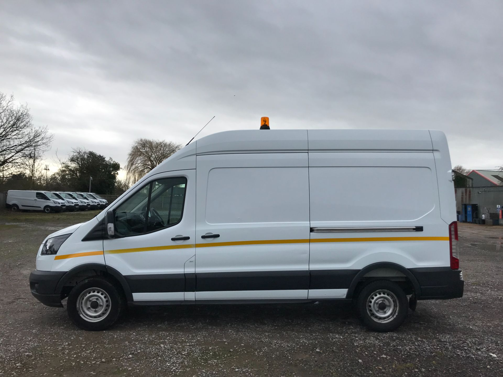 2017 Ford Transit 350  L3 H3 VAN 130PS EURO 6 (FL17WCV) Image 8