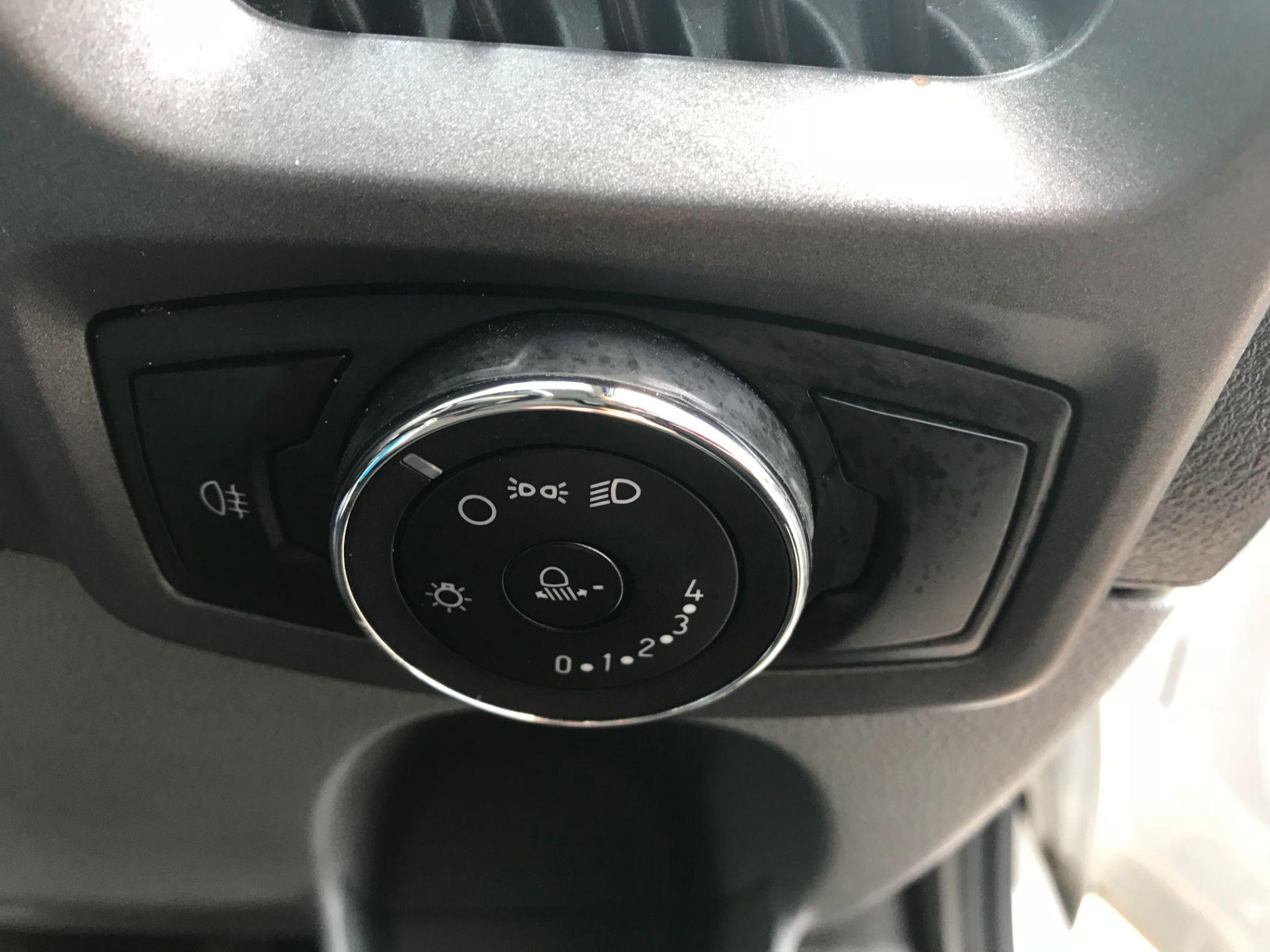2017 Ford Transit Custom  290 L1 DIESEL FWD 2.0 TDCI 105PS LOW ROOF VAN EURO 6 (FL17WCX) Image 19