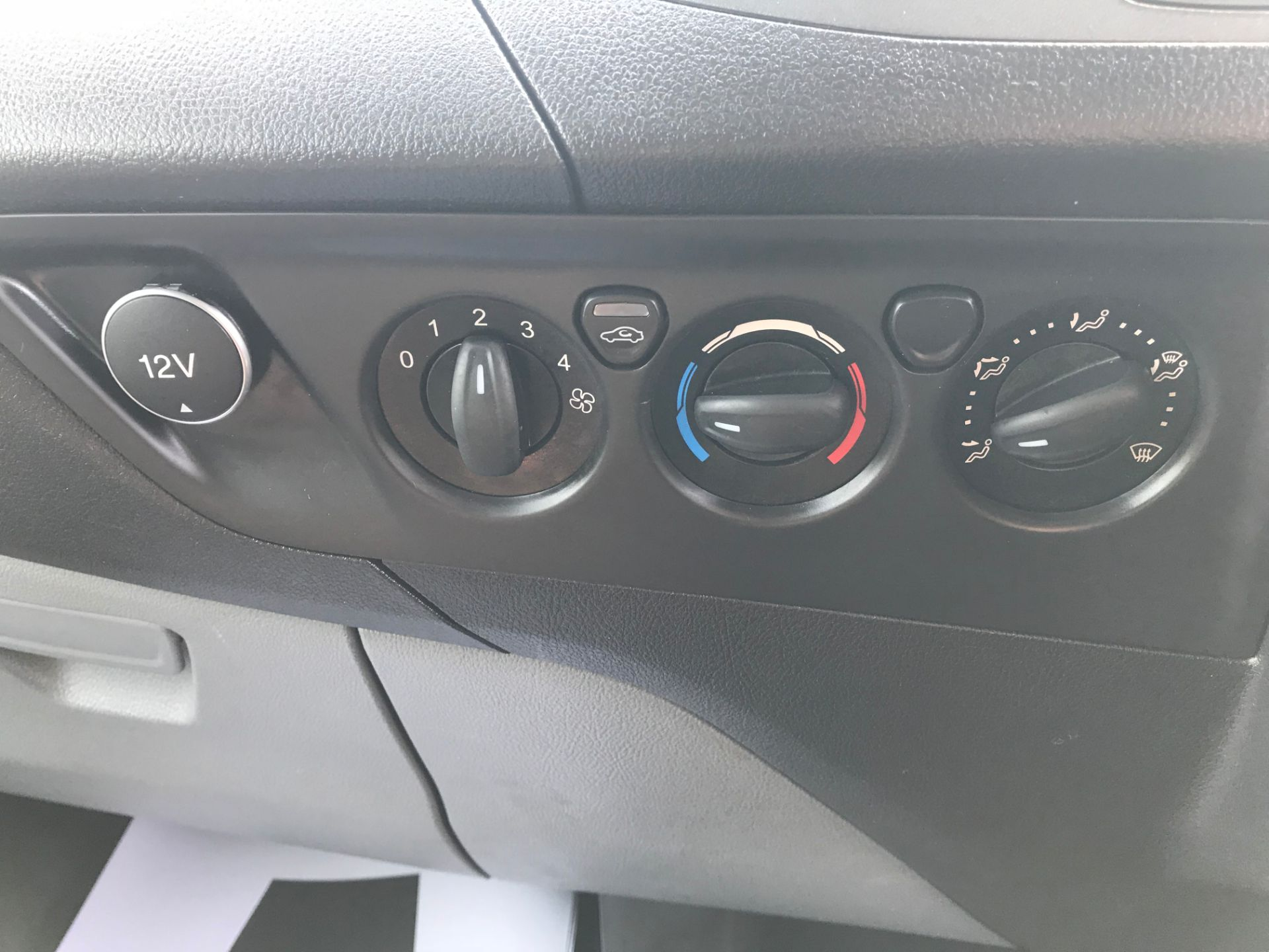 2017 Ford Transit Custom  290 L1 DIESEL FWD 2.0 TDCI 105PS LOW ROOF VAN EURO 6 (FL17WCX) Image 26