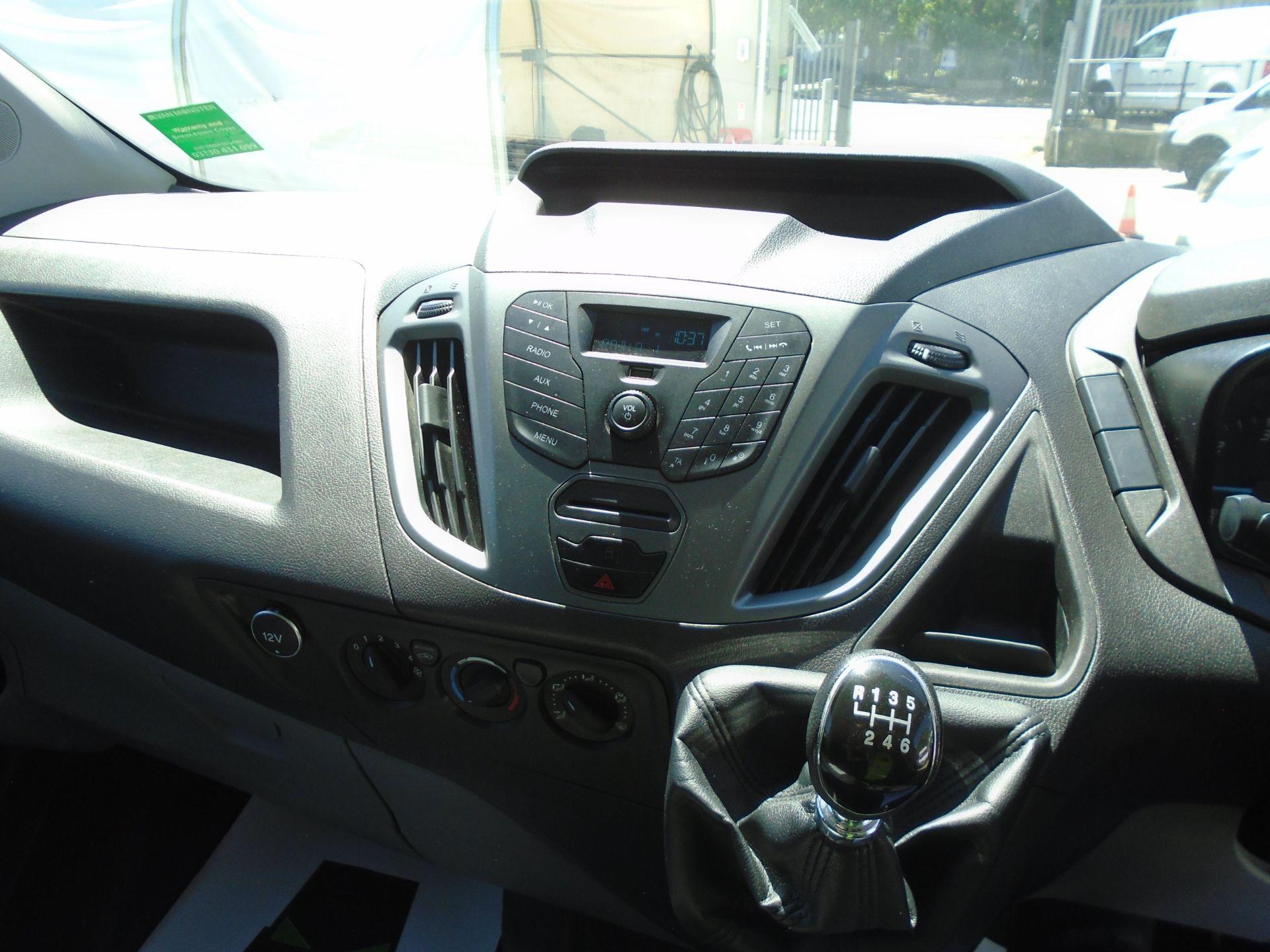 2017 Ford Transit Custom 2.0 Tdci 105Ps Low Roof Van (FL17WEO) Image 17