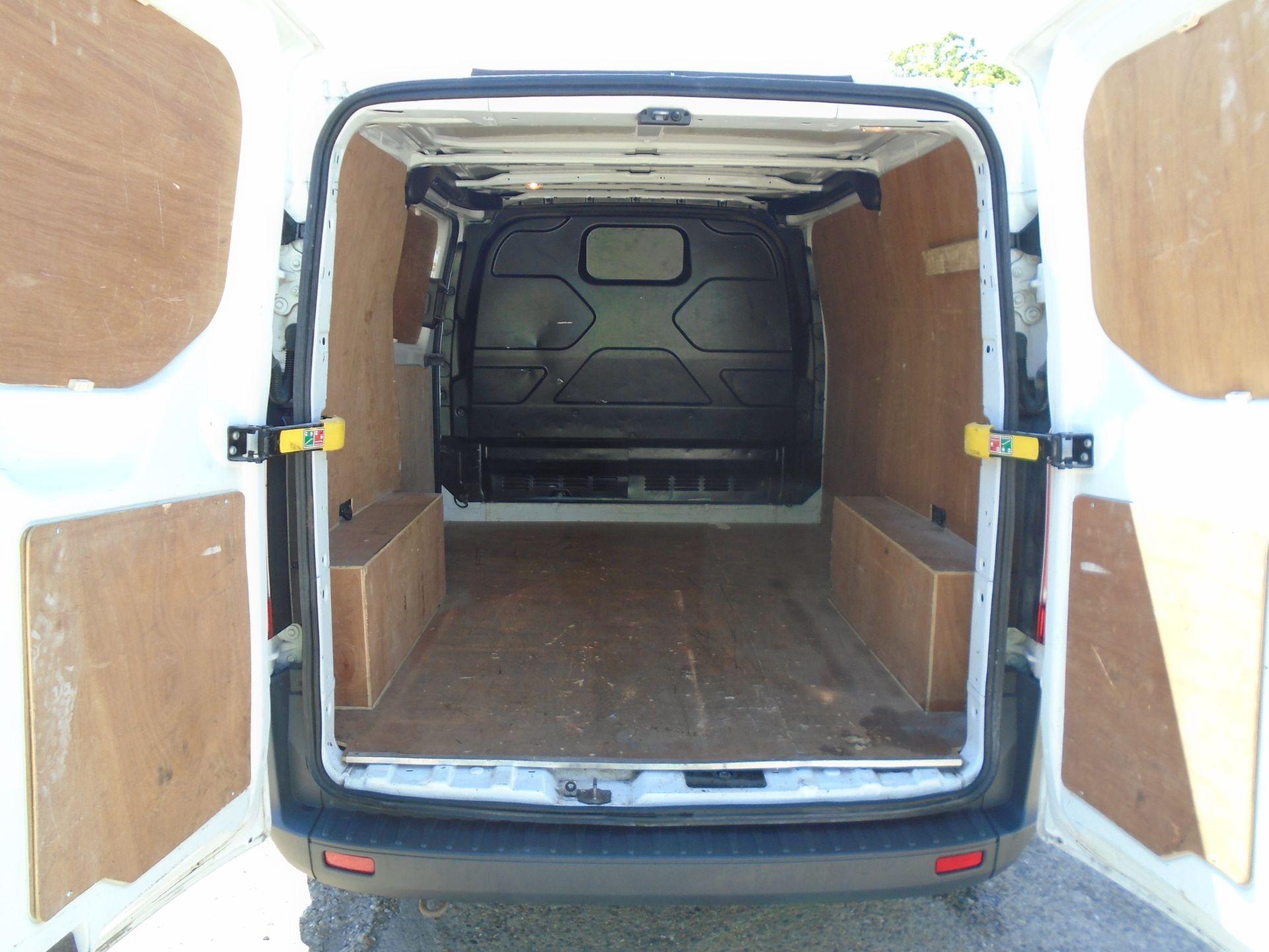 2017 Ford Transit Custom 2.0 Tdci 105Ps Low Roof Van (FL17WEO) Image 14