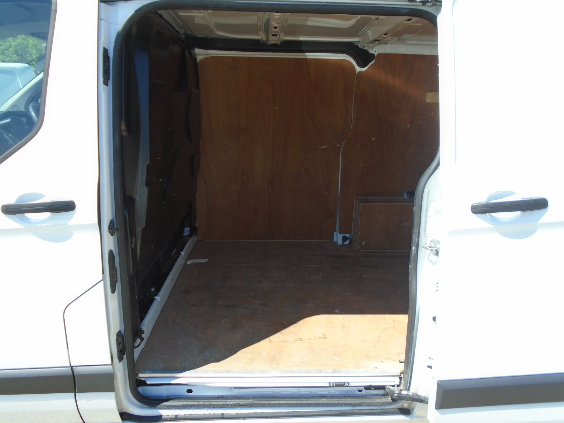 2017 Ford Transit Custom 2.0 Tdci 105Ps Low Roof Van (FL17WEO) Image 13