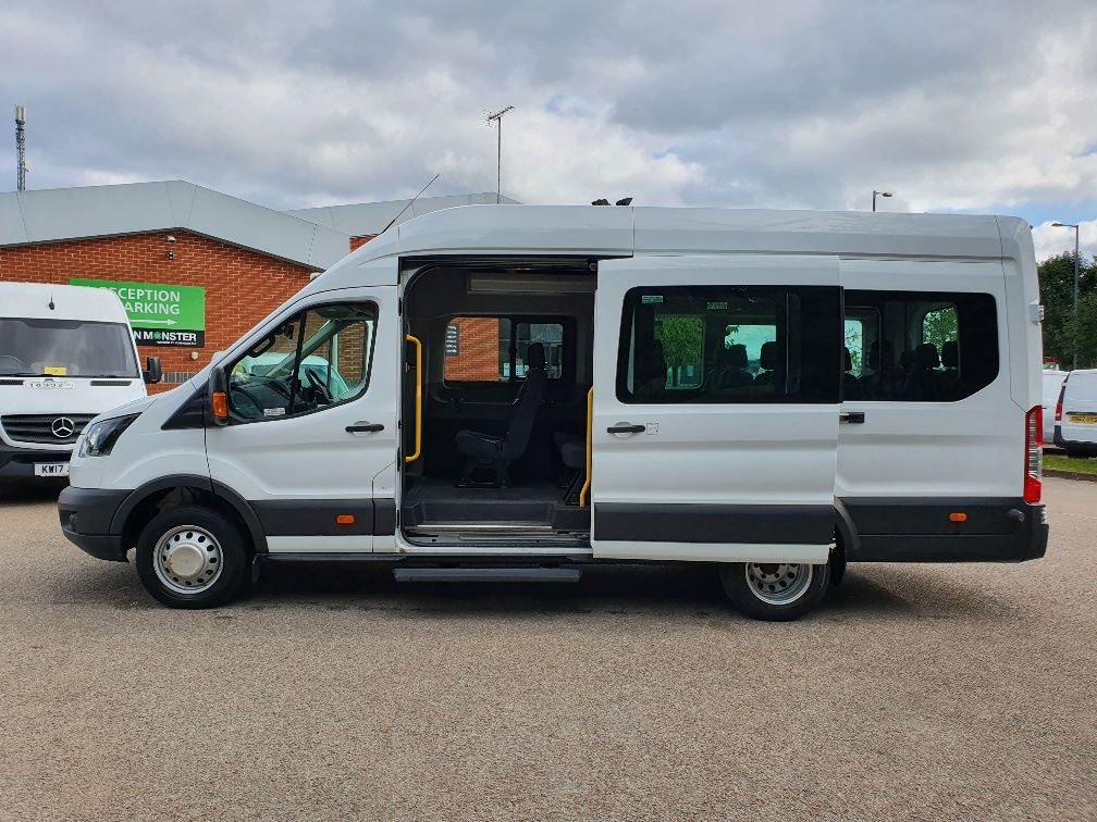 2018 Ford Transit 460 ECONETIC TECH 2.2 Tdci 125Ps H3 17 Seater (FL18EOK) Image 15