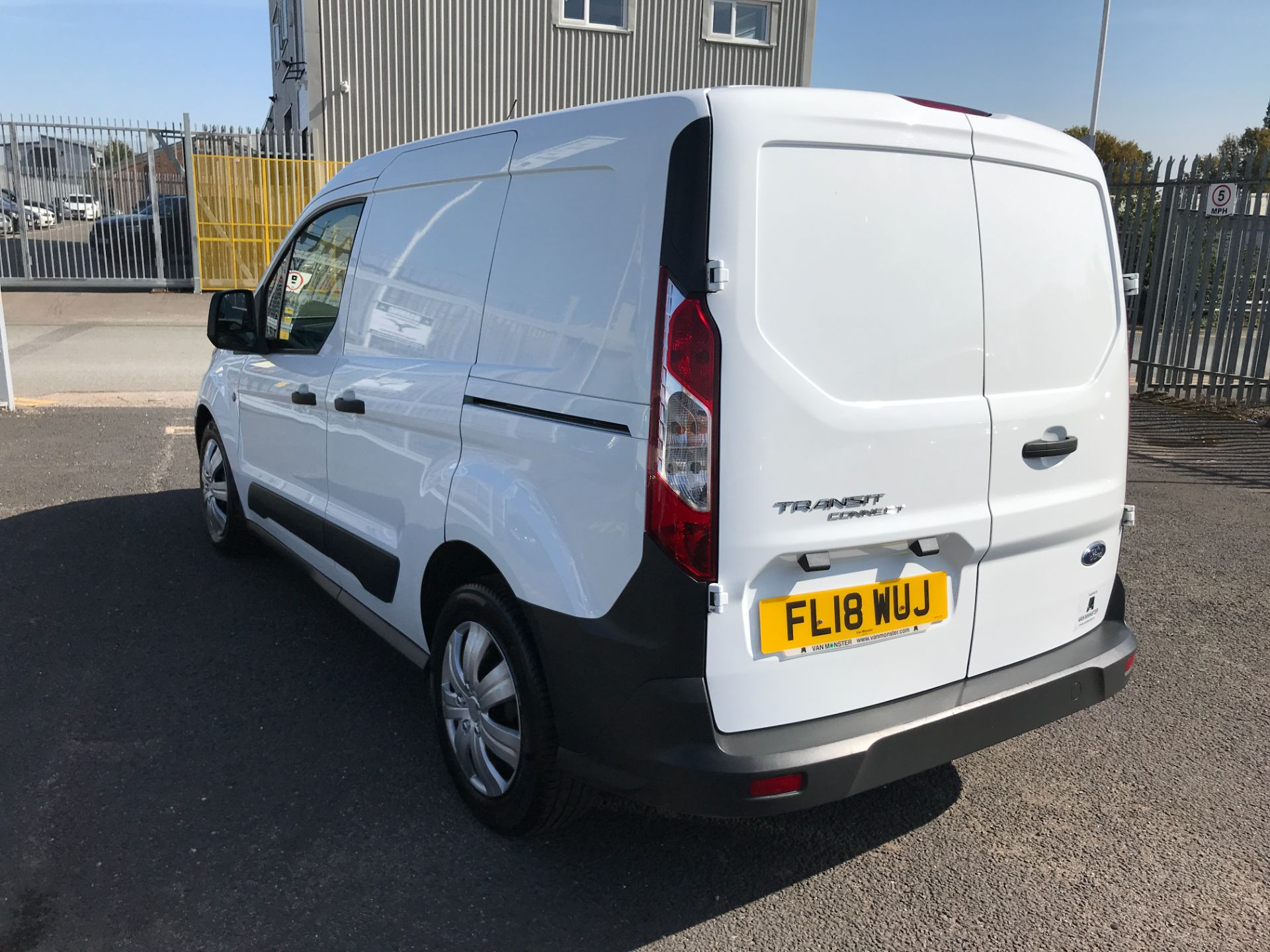 2018 Ford Transit Connect T200 L1 H1 1.5TDCI 75PS EURO 6 (FL18WUJ) Image 10