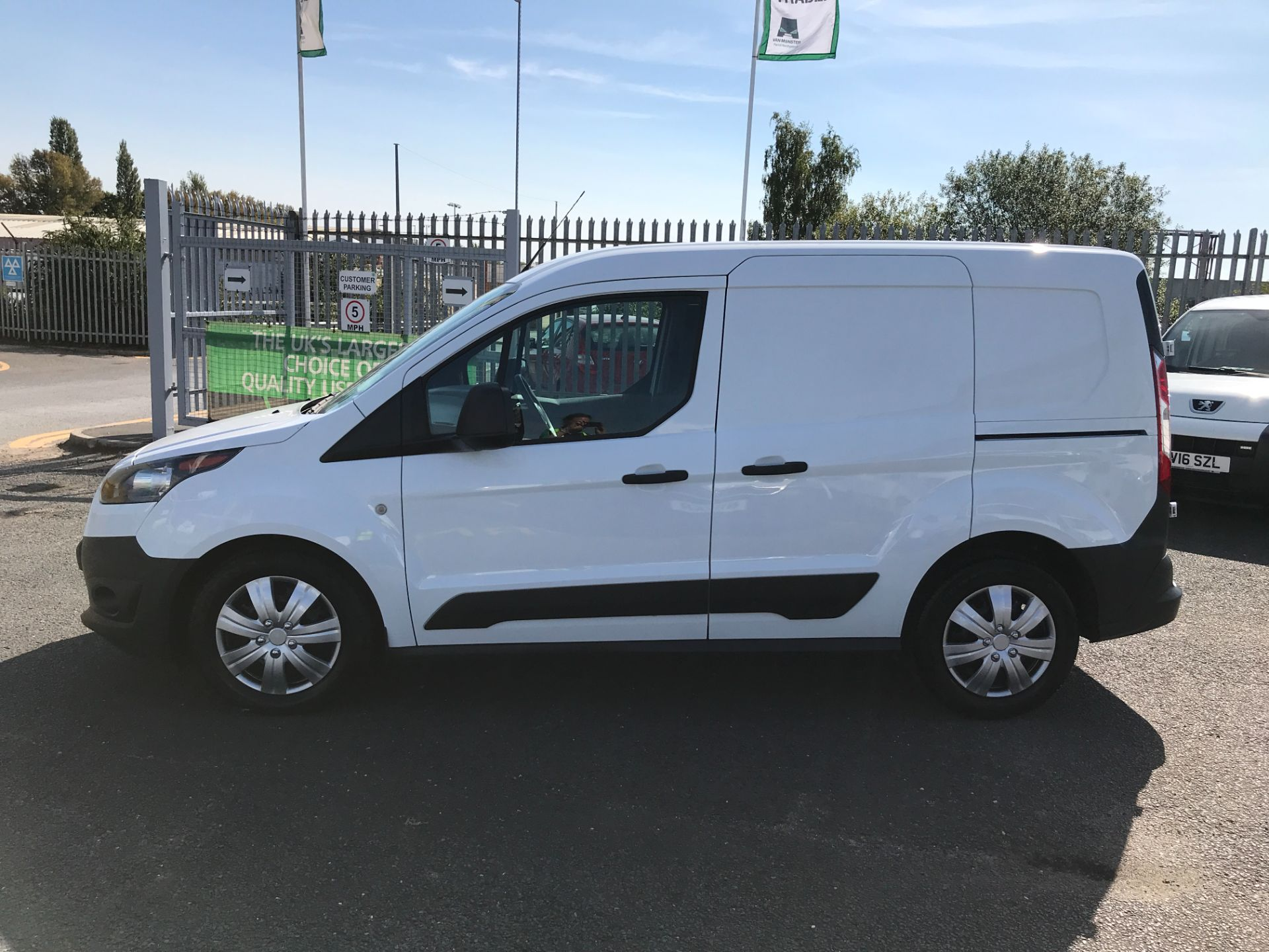 2018 Ford Transit Connect T200 L1 H1 1.5TDCI 75PS EURO 6 (FL18WUJ) Image 11