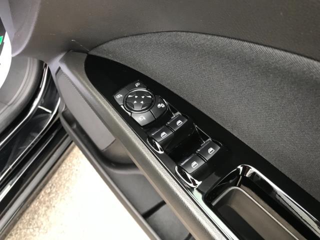 2018 Ford Mondeo 2.0 Tdci Econetic Zetec 5Dr [Nav] (FL18XAB) Image 15