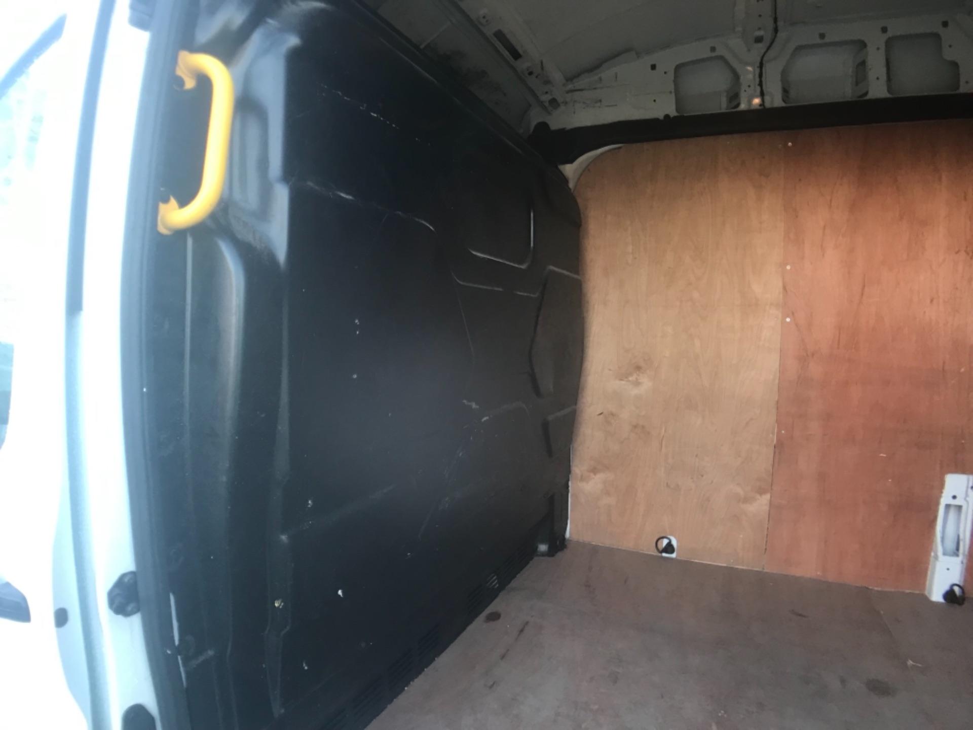 2018 Ford Transit 350  L3 H3 VAN 130PS EURO 6 (FL18XDT) Image 19