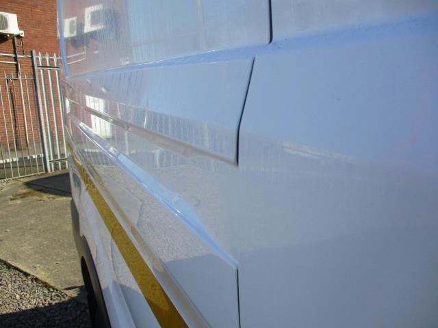 2018 Ford Transit L3 H3 VAN 130PS EURO 6 (FL18XFT) Image 28