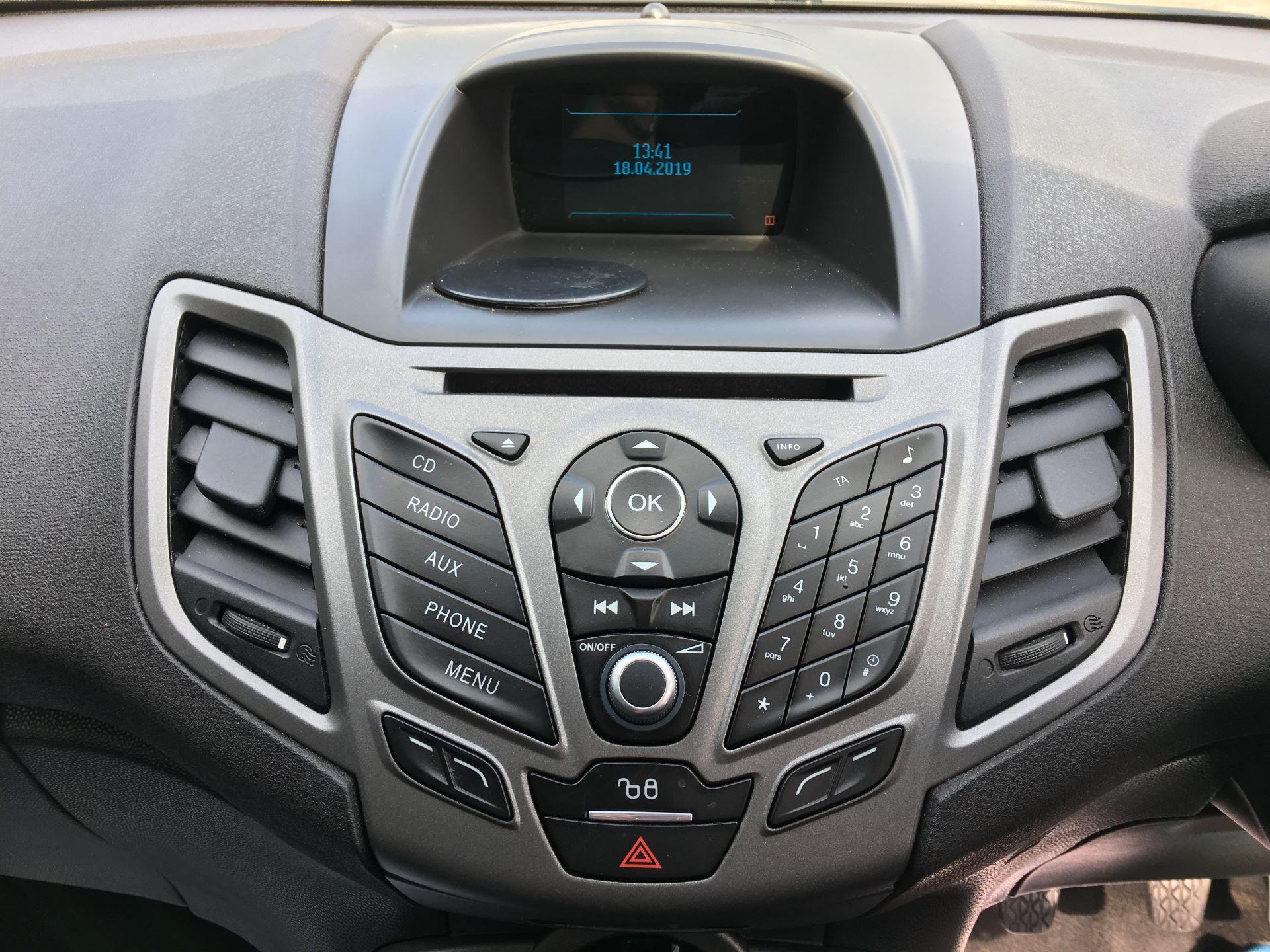 2015 Ford Fiesta DIESEL 1.5 TDCI VAN EURO 5/6 (FL65PJV) Image 3