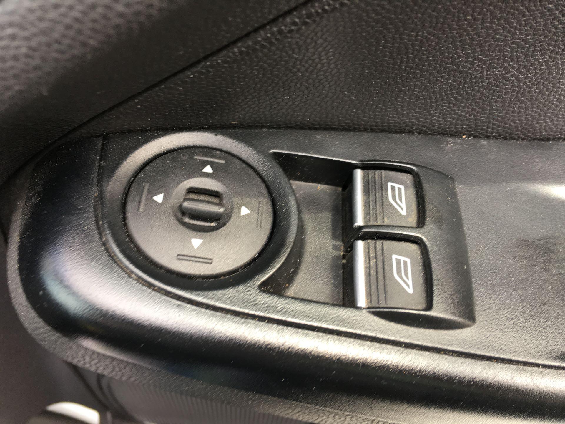 2015 Ford Fiesta DIESEL 1.5 TDCI VAN EURO 5/6 (FL65PJV) Image 8