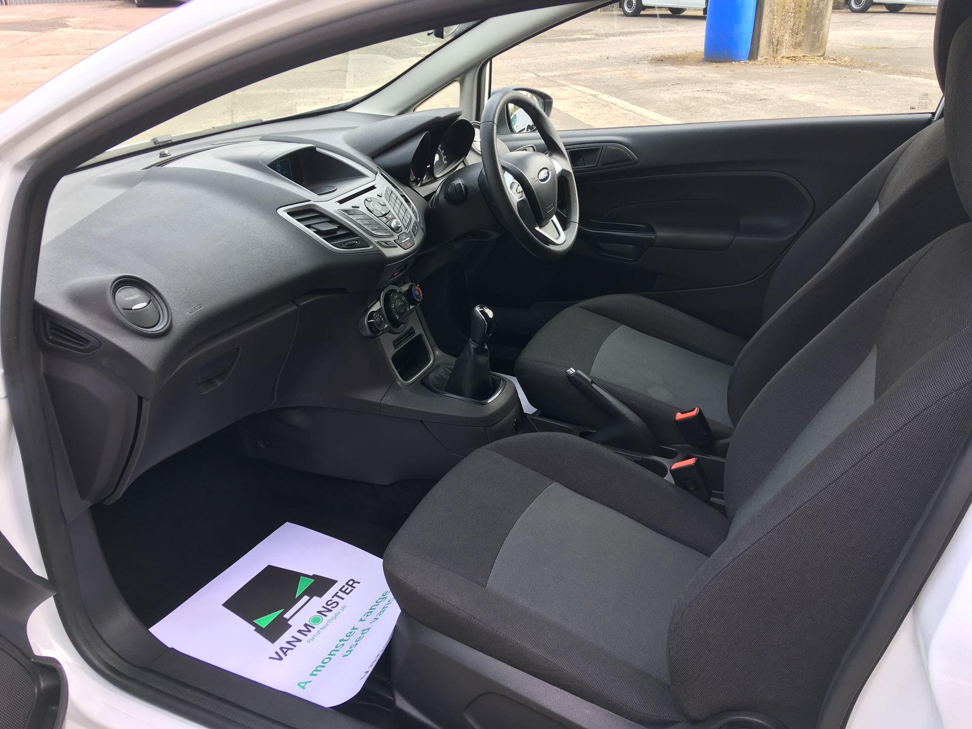 2015 Ford Fiesta DIESEL 1.5 TDCI VAN EURO 5/6 (FL65PJV) Image 14