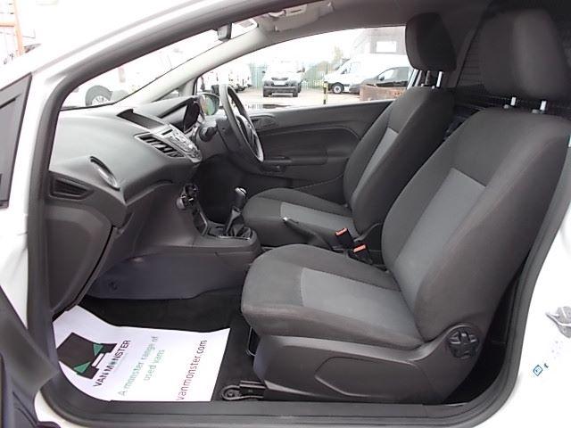 2015 Ford Fiesta  DIESEL 1.5 TDCI VAN EURO 5/6 (FL65PMY) Image 9