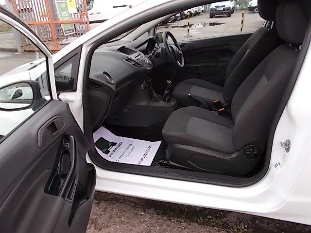 2015 Ford Fiesta  DIESEL 1.5 TDCI VAN EURO 5/6 (FL65PMY) Image 8