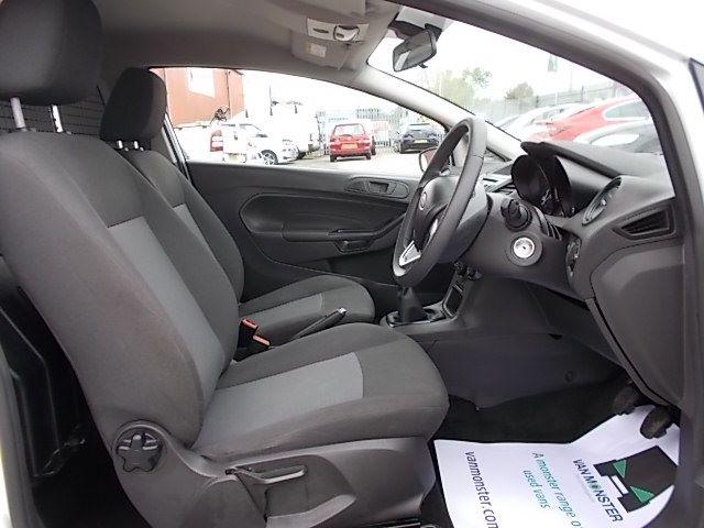 2015 Ford Fiesta  DIESEL 1.5 TDCI VAN EURO 5/6 (FL65PMY) Image 11