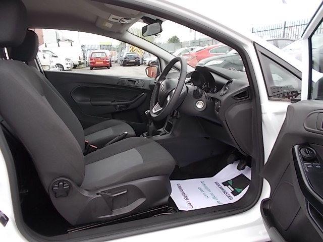 2015 Ford Fiesta  DIESEL 1.5 TDCI VAN EURO 5/6 (FL65PMY) Image 10