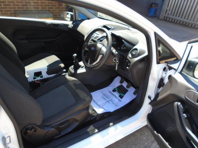 2015 Ford Fiesta  DIESEL 1.5 TDCI VAN EURO 6 (FL65PNV) Image 17