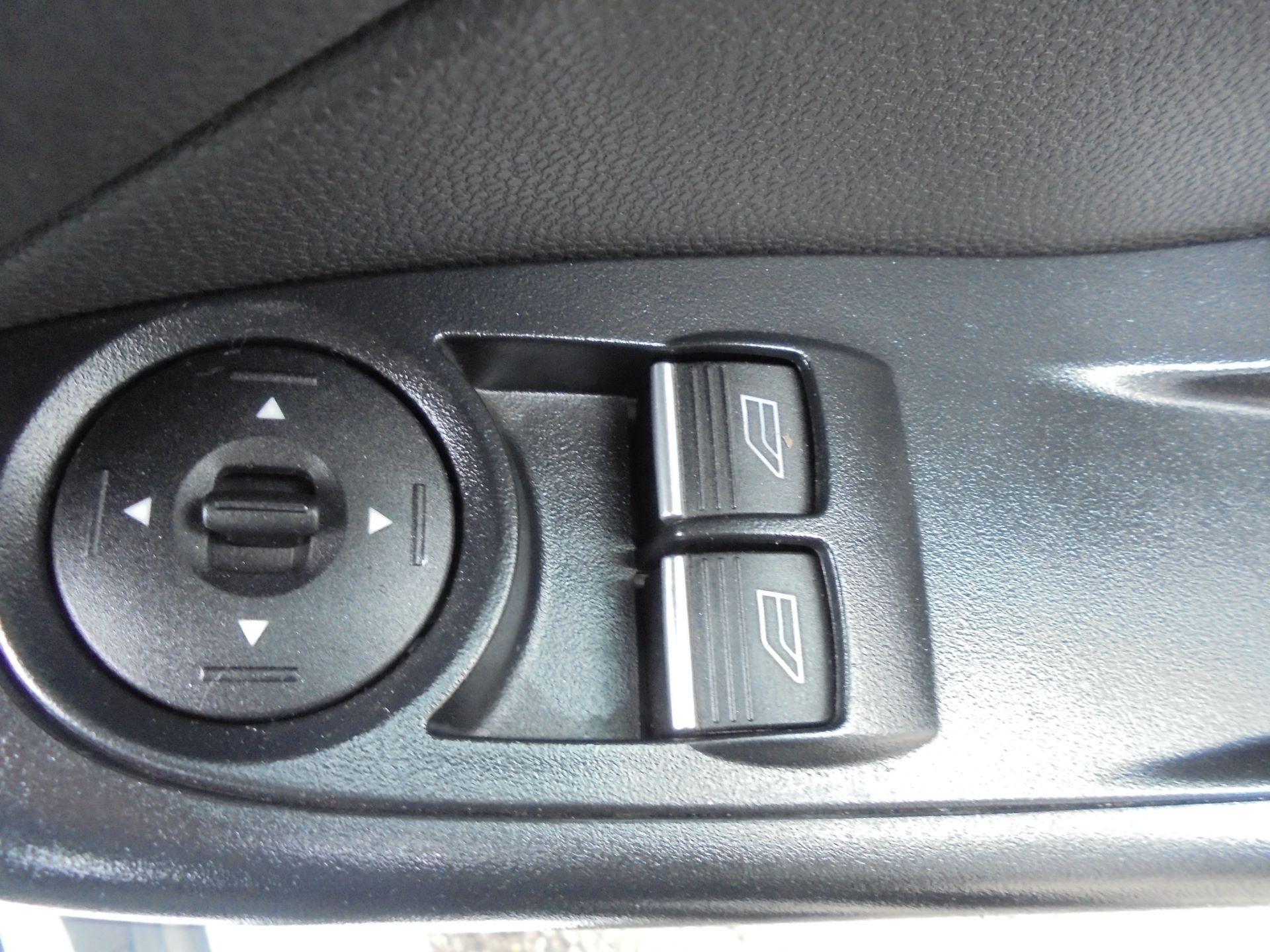2015 Ford Fiesta  DIESEL 1.5 TDCI VAN EURO 5 (FL65PXB) Image 16