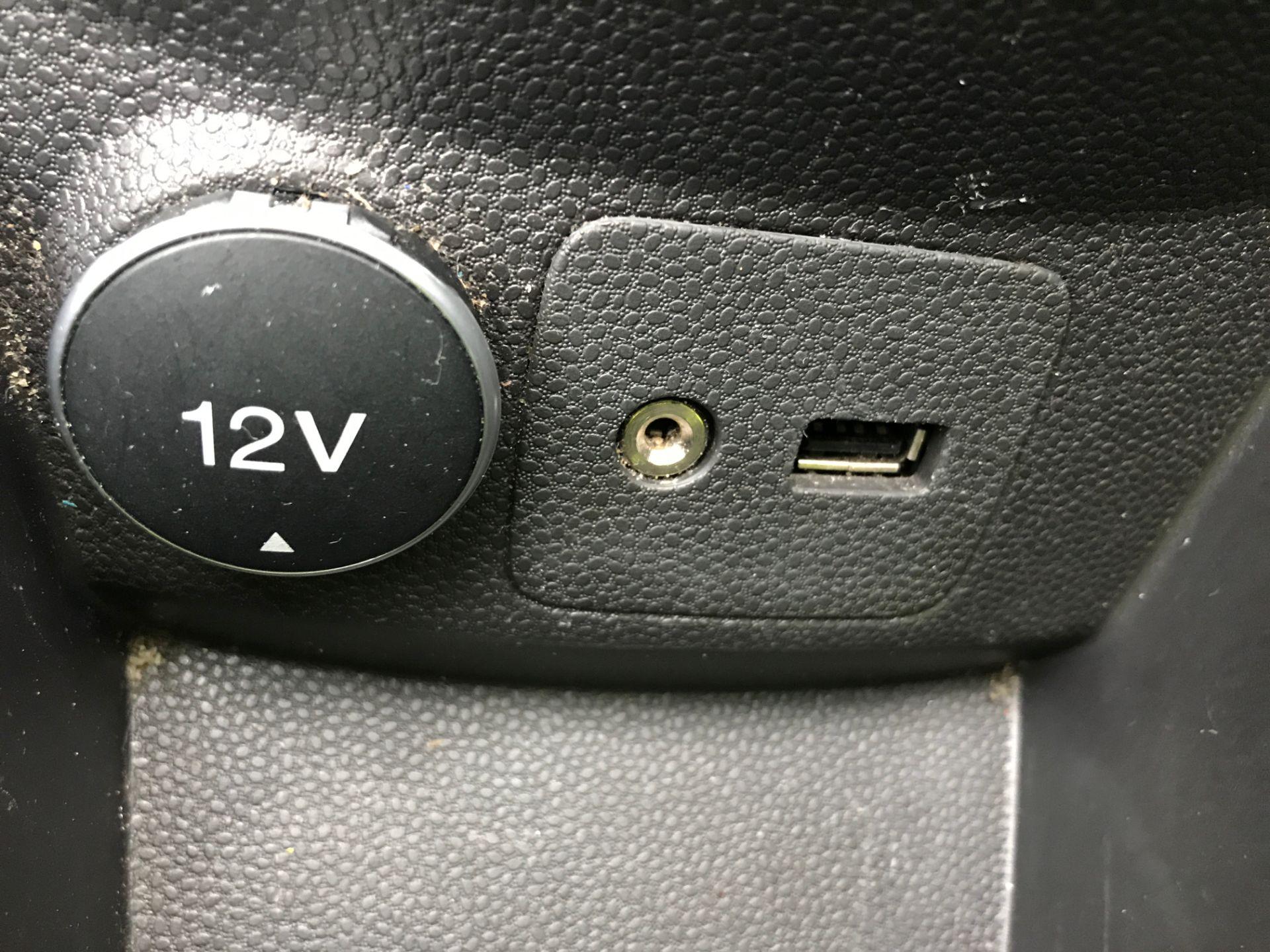 2015 Ford Fiesta 1.5TDCI 75PS EURO 5, AIR CON (FL65PXW) Image 19