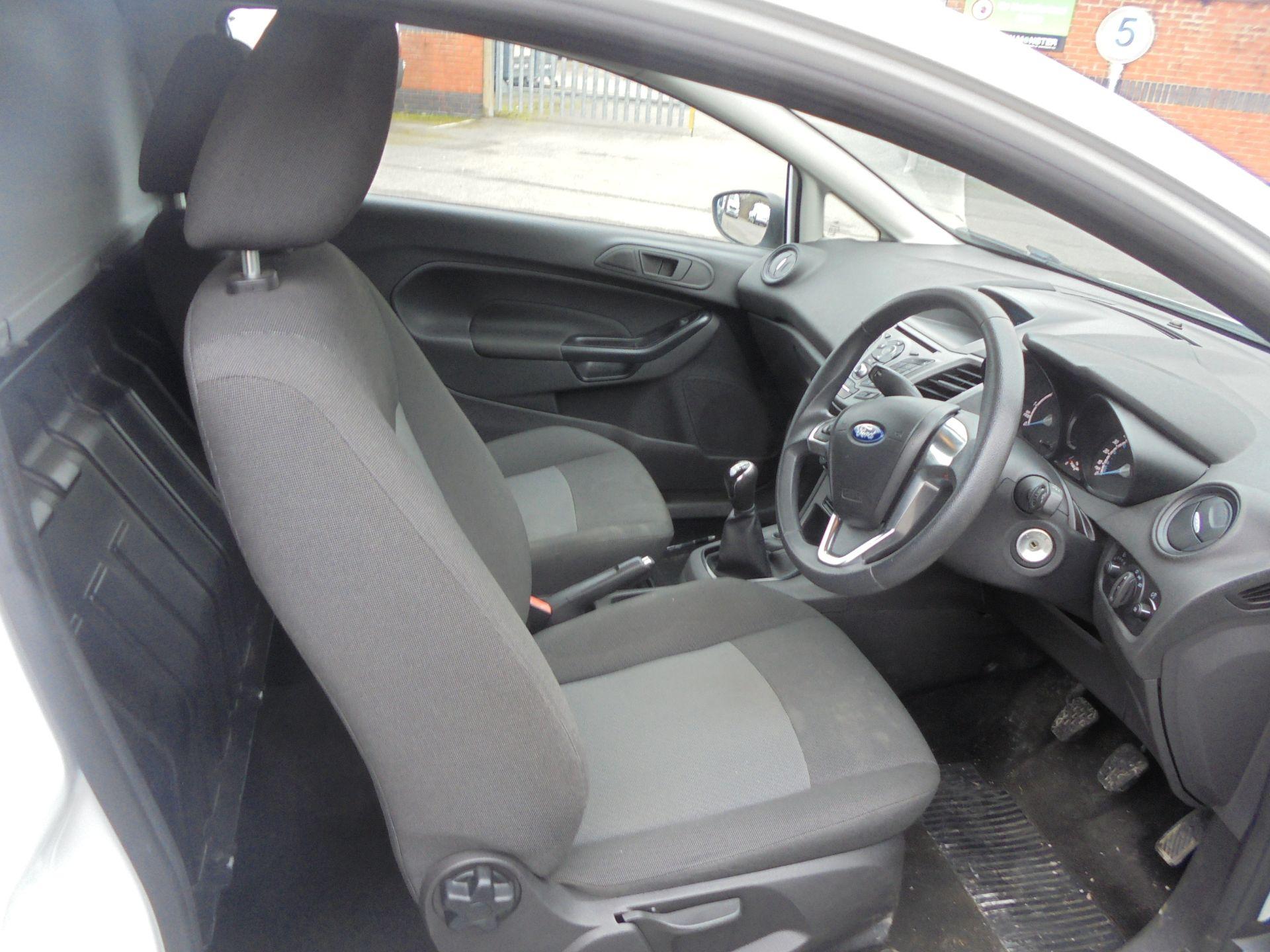 2015 Ford Fiesta 1.5 Tdci Van (FL65RDO) Image 10