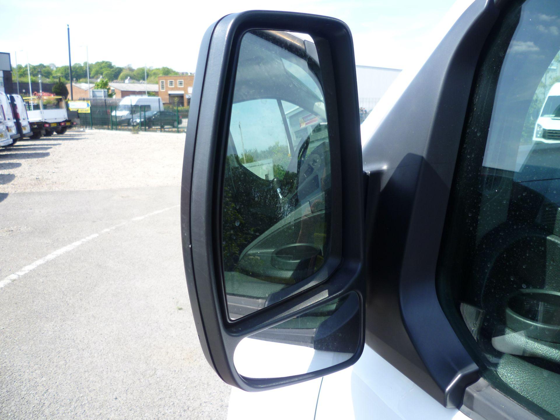 2015 Ford Transit Custom 290 L1 DIESEL FWD 2.2  TDCI 100PS LOW ROOF VAN EURO 5 (FL65RKA) Image 11
