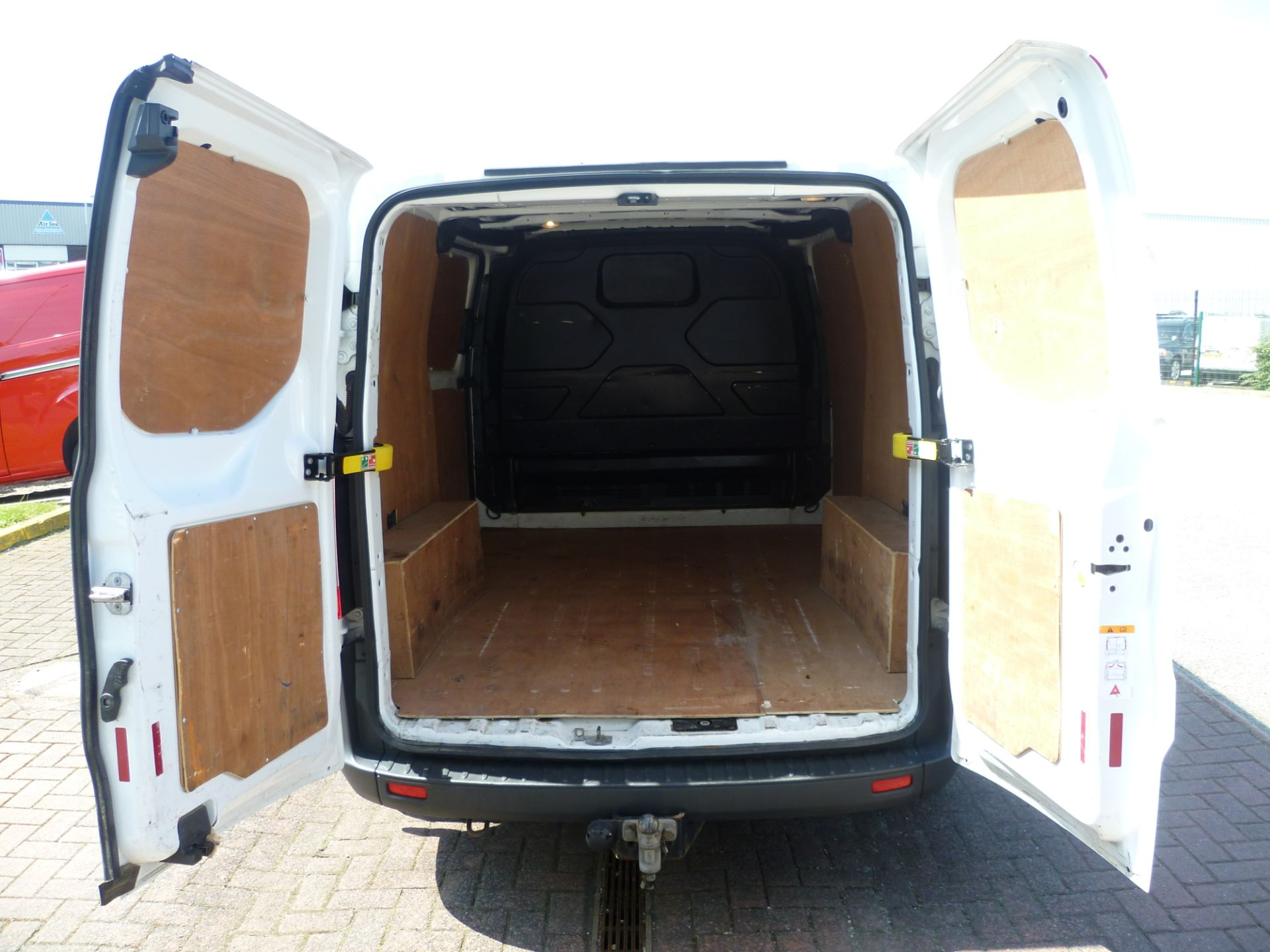 2015 Ford Transit Custom 290 L1 DIESEL FWD 2.2  TDCI 100PS LOW ROOF VAN EURO 5 (FL65RKA) Image 7