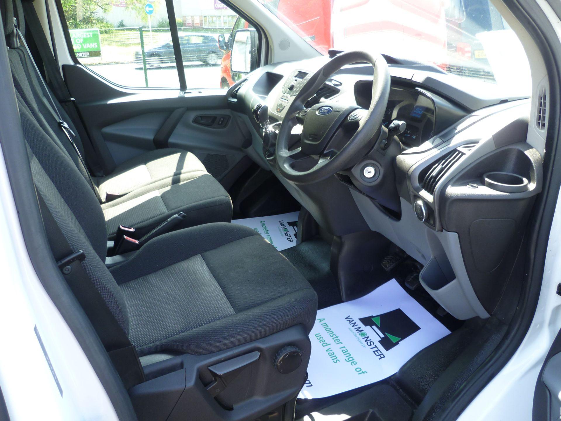 2015 Ford Transit Custom 290 L1 DIESEL FWD 2.2  TDCI 100PS LOW ROOF VAN EURO 5 (FL65RKA) Image 17